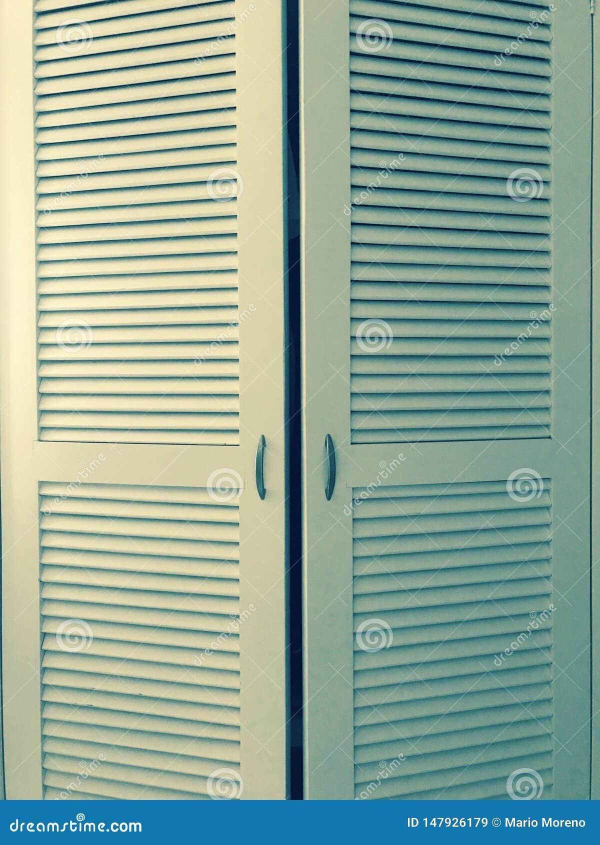 Puertas del guardarropa