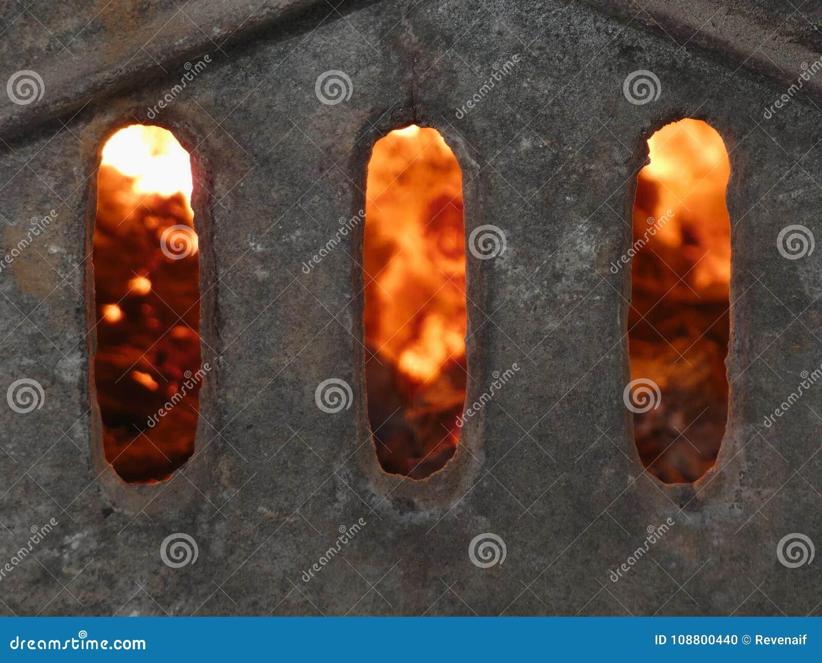 Puertas del infierno - chimenea de la estufa tejada