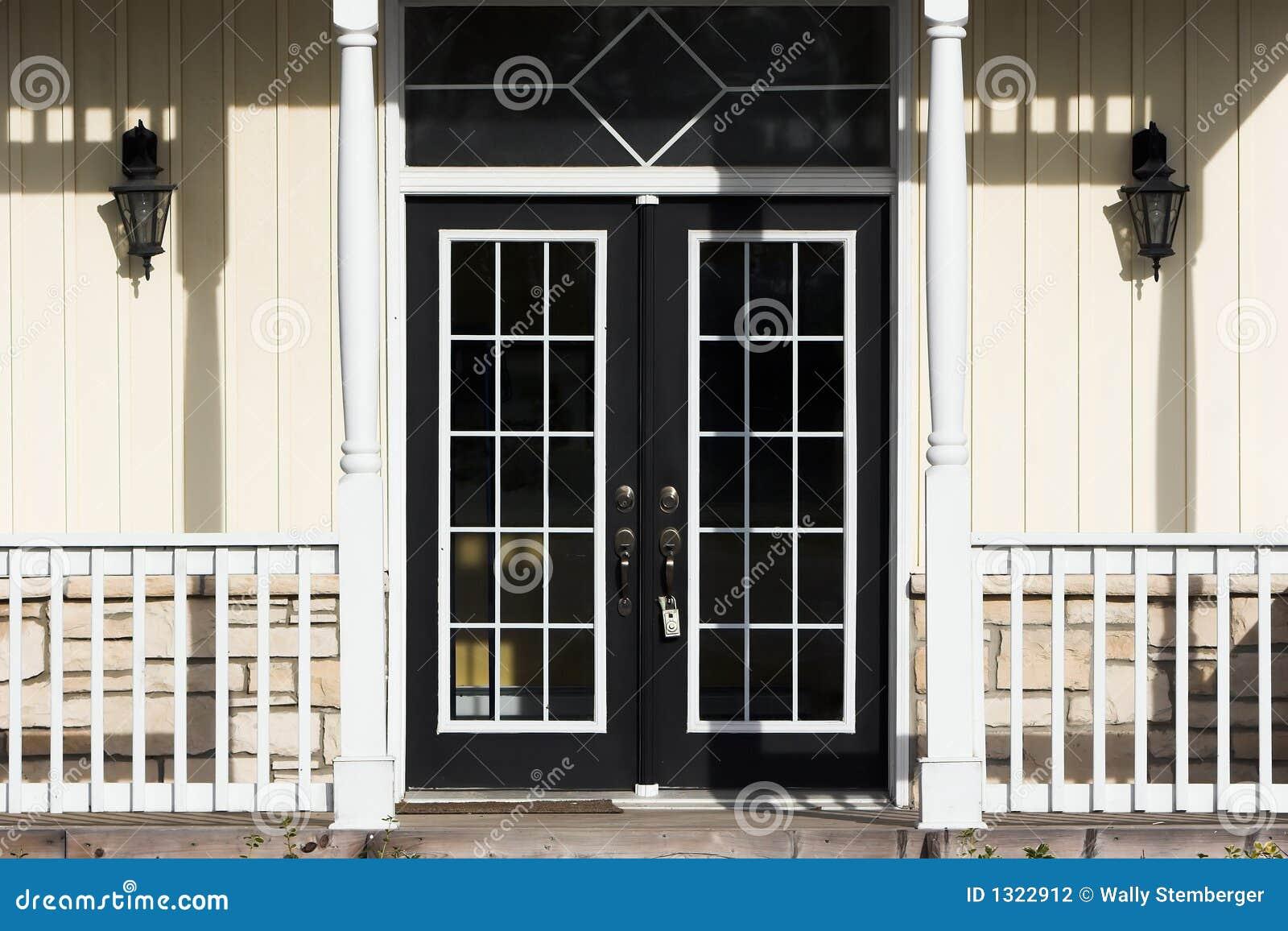 Puertas francesas fotograf a de archivo imagen 1322912 for Precio de puertas francesas