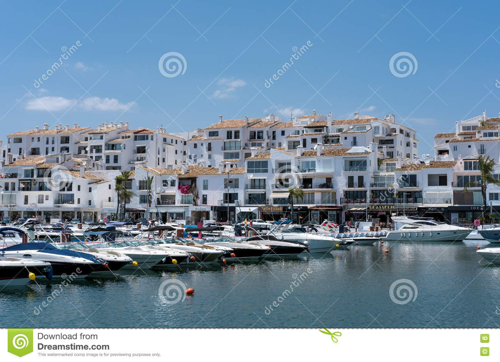 PUERTO BANUS ANDALUCIA/SPAIN - 26 MAGGIO: Vista delle barche nel Har