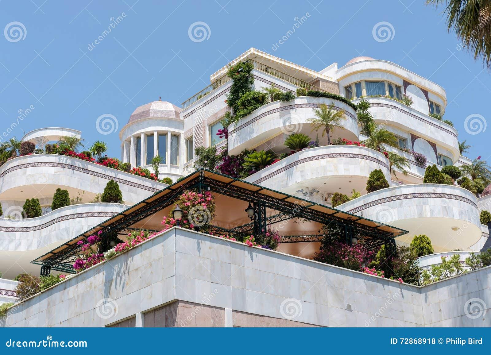 PUERTO BANUS ANDALUCIA/SPAIN - MAJ 26: Lyxigt boende in