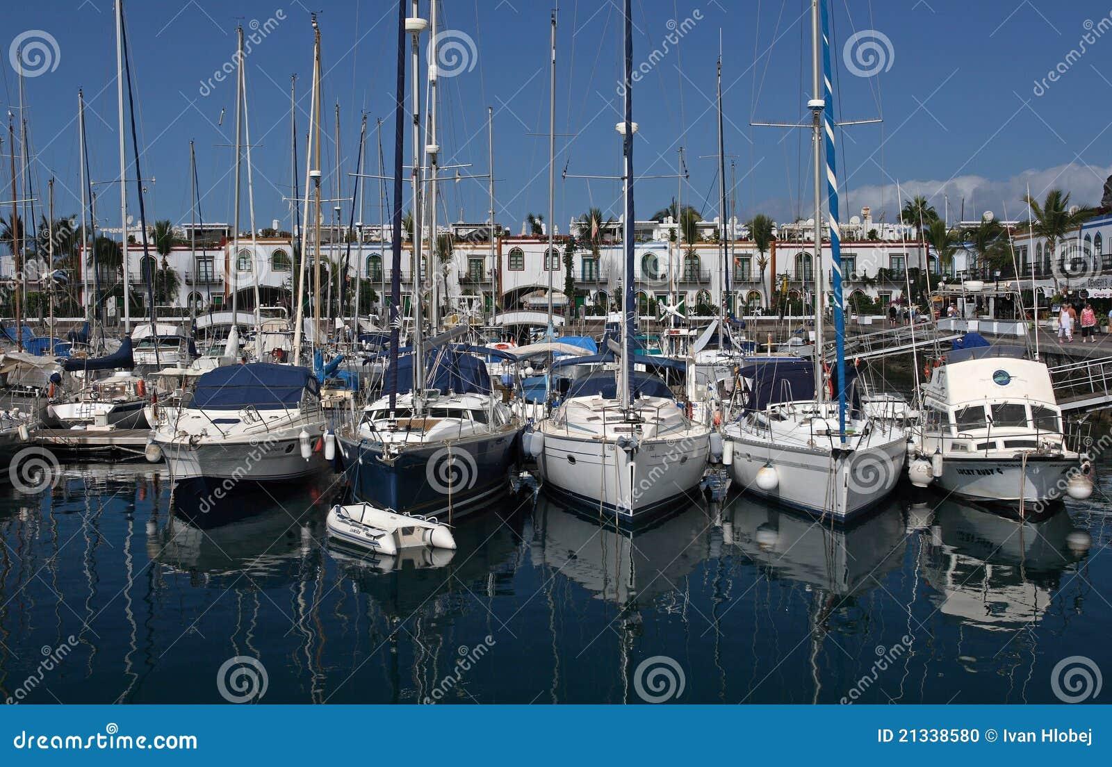 Puerto de mogan editorial image image 21338580 - Marina apartments puerto de mogan ...