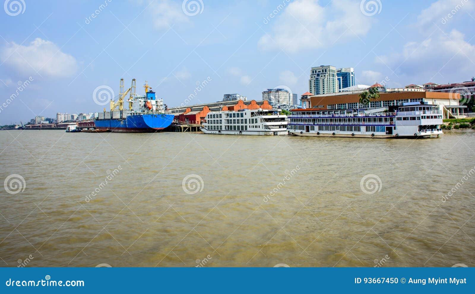 Puerto de Rangún, Myanmar