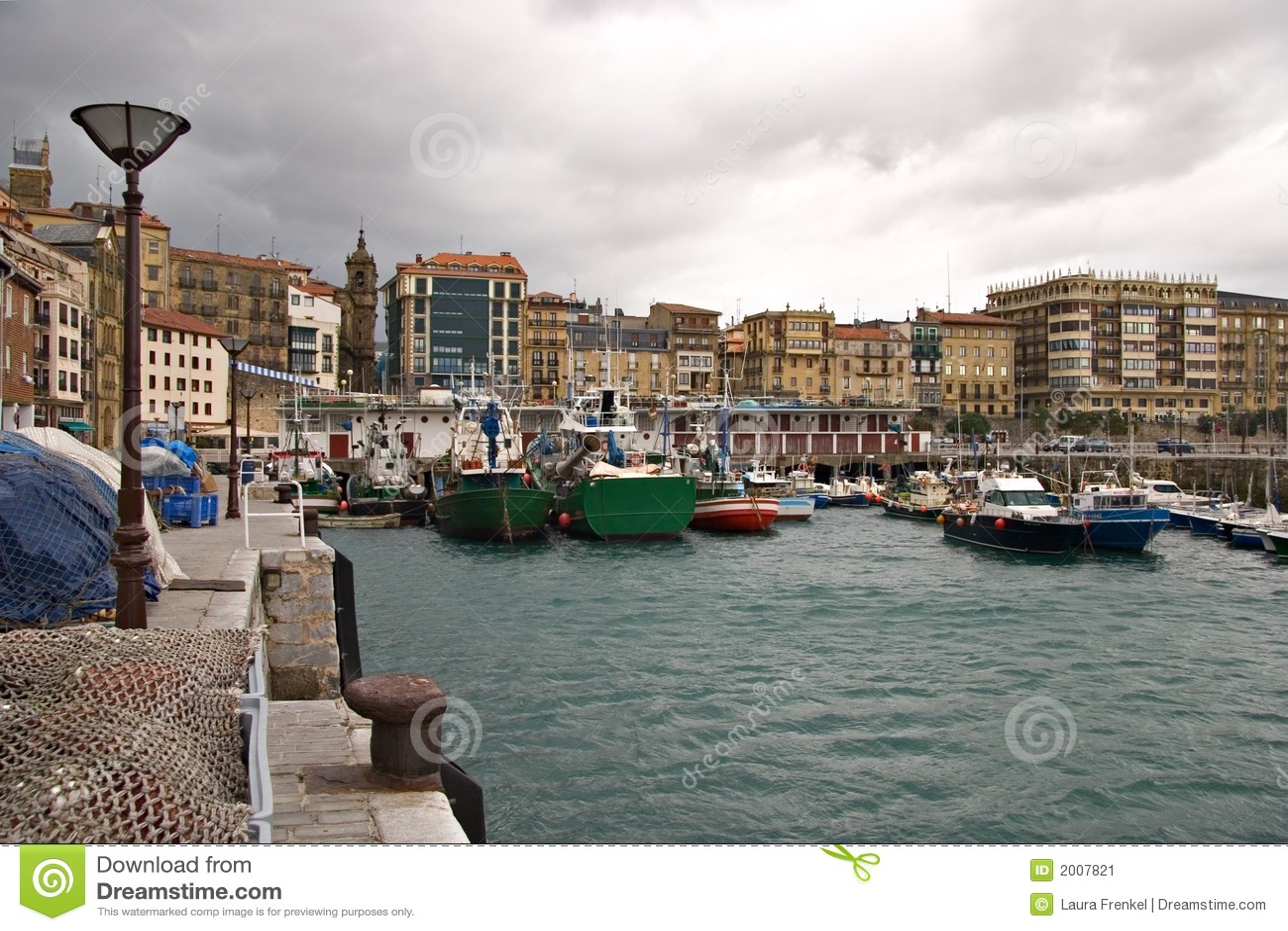 Puerto de san sebastian pa s vasco imagen de archivo - San sebastian pais vasco ...