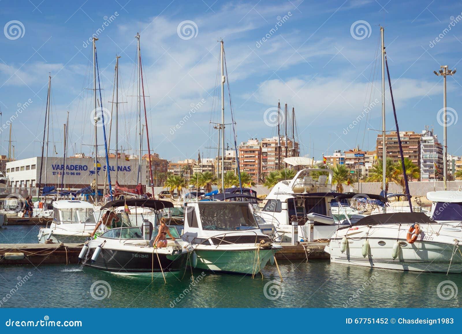 Puerto deportivo marina salinas cute girl in bikini wash - Z yachting torrevieja ...