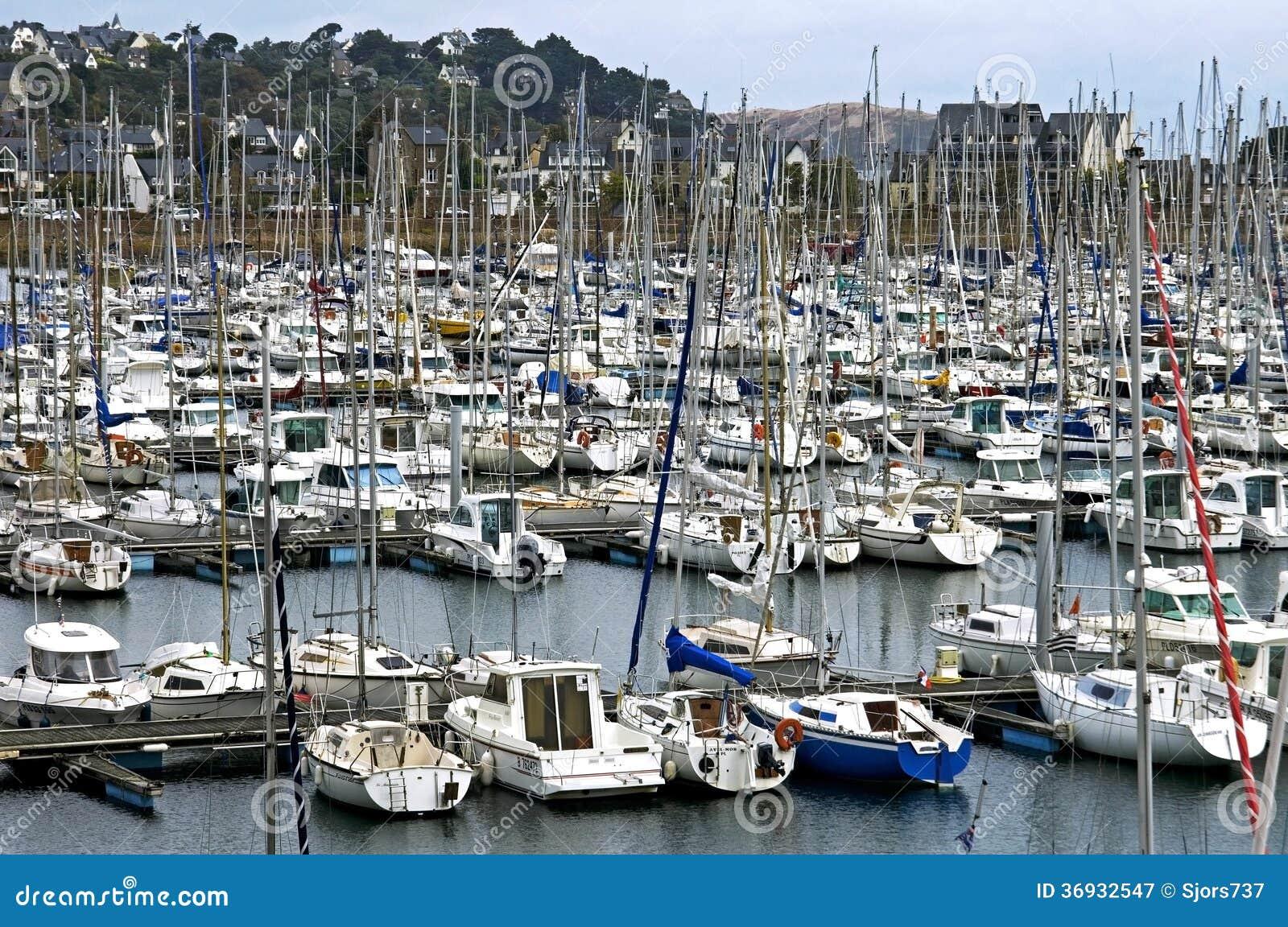 Resultado de imagen de imagenes veleros en puerto