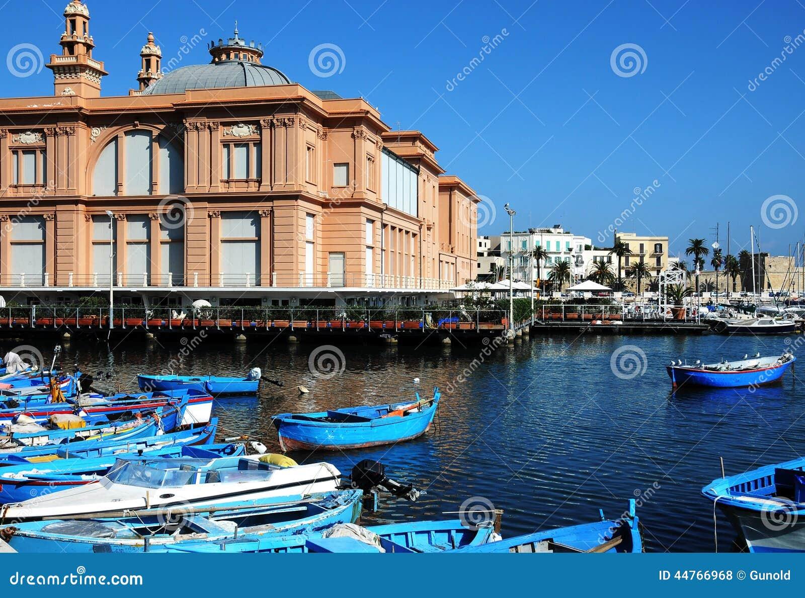 Puerto en Bari