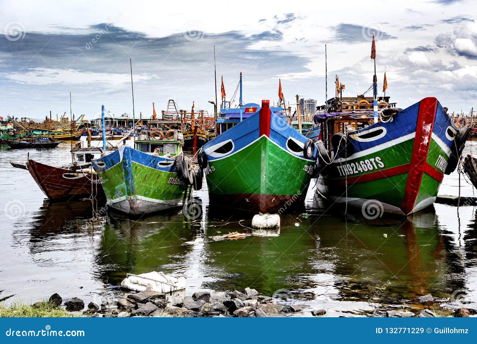 Puerto pesquero en danang en Vietnam