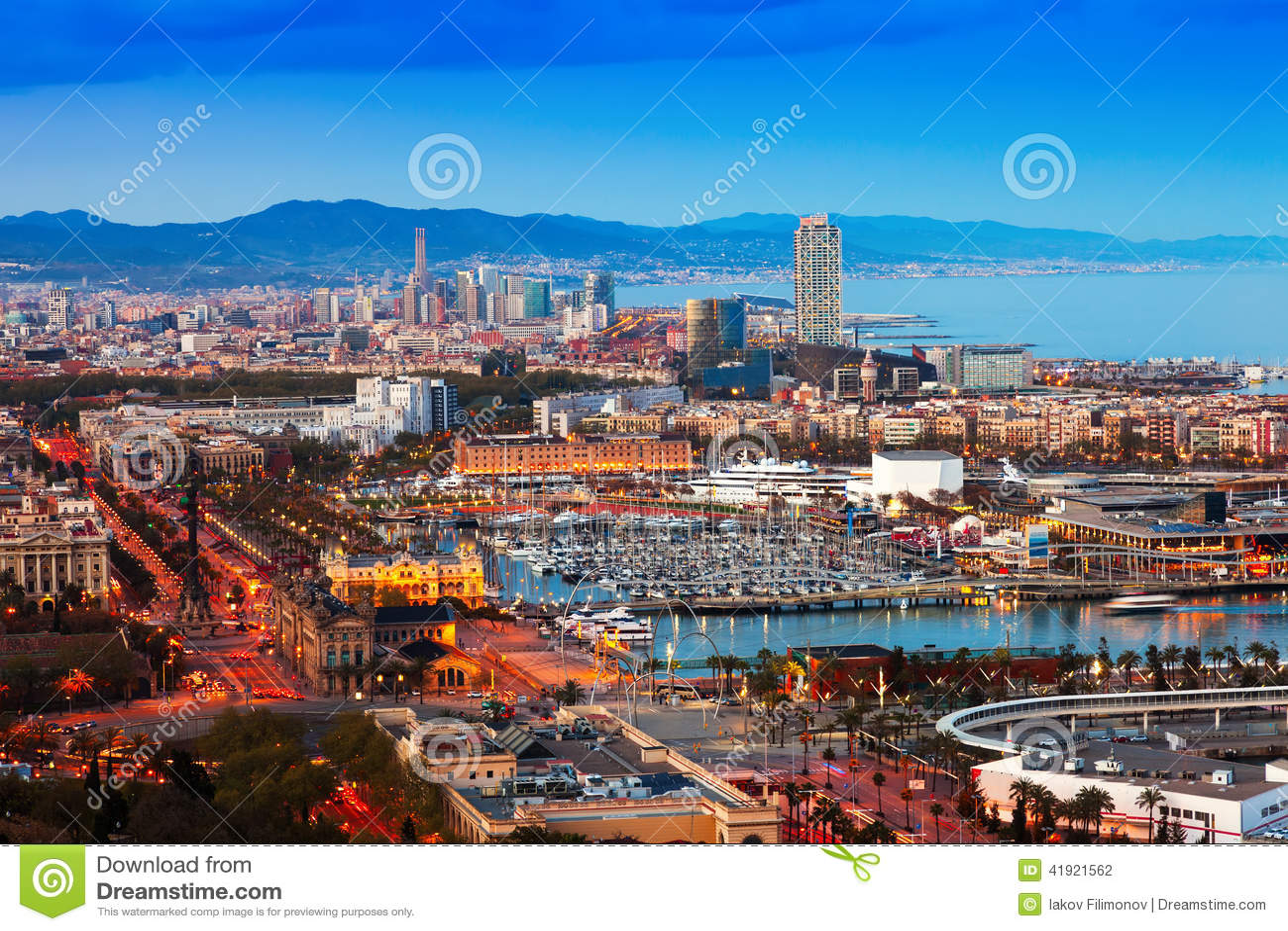 Puerto Vell durante puesta del sol de Montjuic