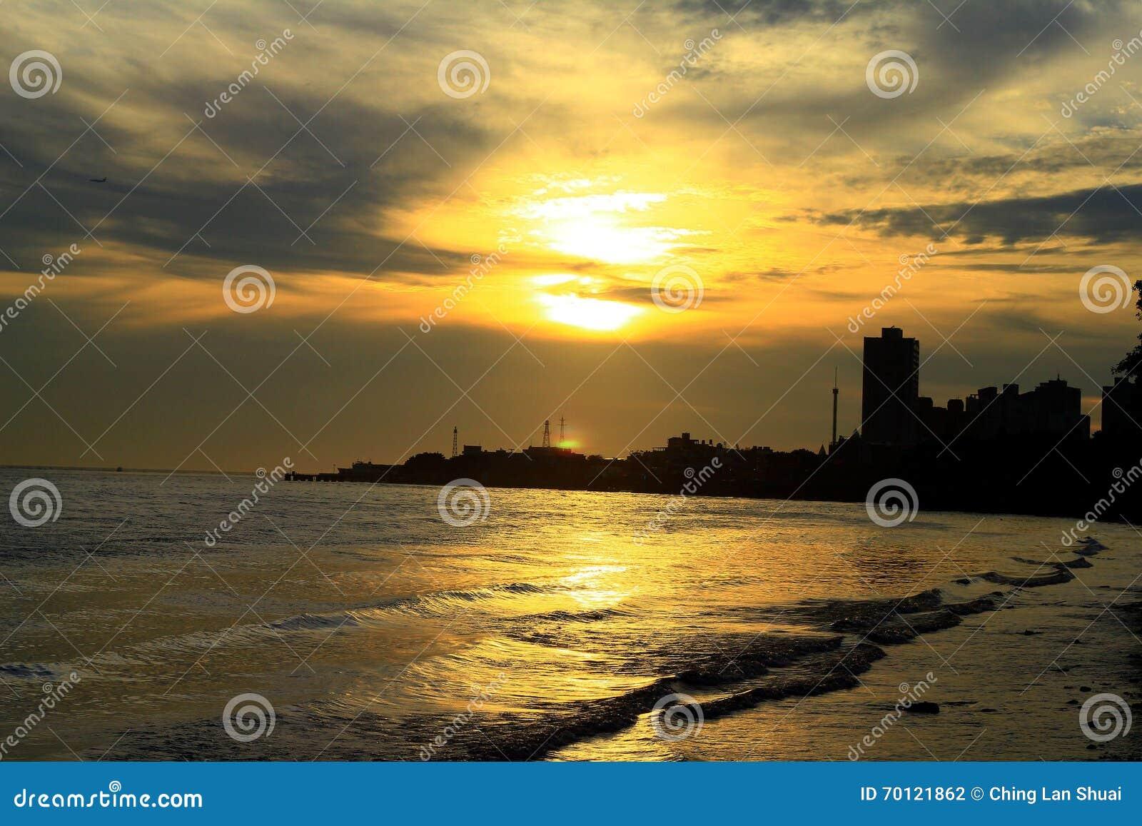 Puesta Del Sol Fotograf A Editorial Imagen 70121862