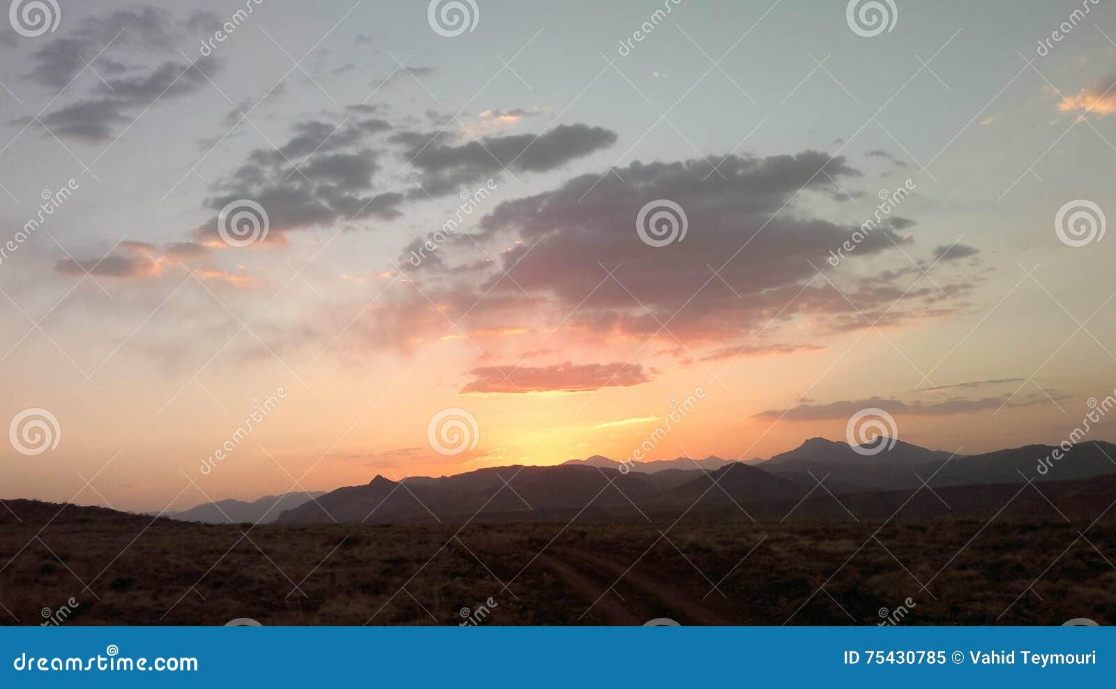 Puesta Del Sol Foto De Archivo Imagen 75430785