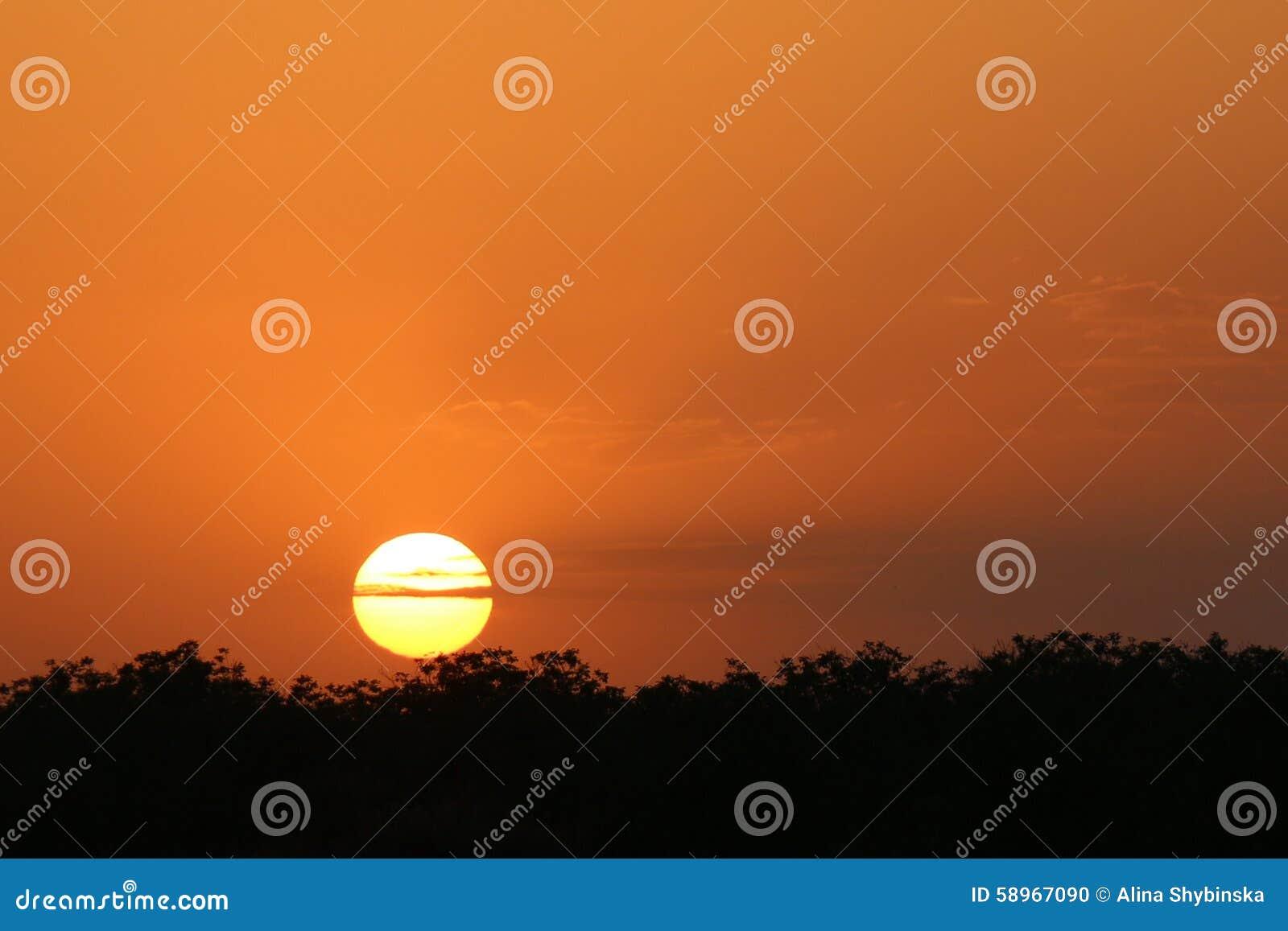 Puesta del sol anaranjada