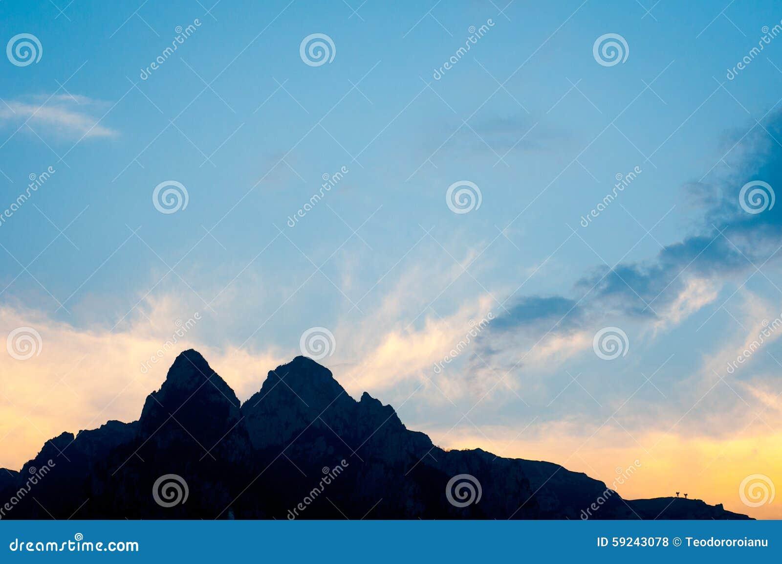 Download Puesta del sol cárpata foto de archivo. Imagen de libertad - 59243078