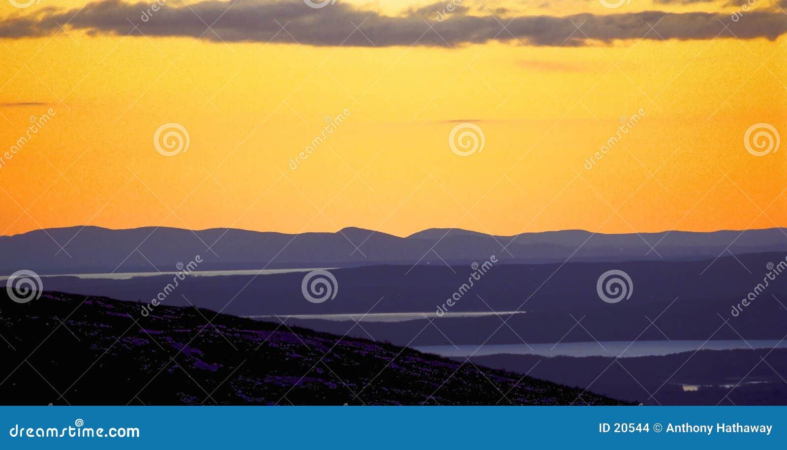 Puesta del sol de la montaña de Cadillac