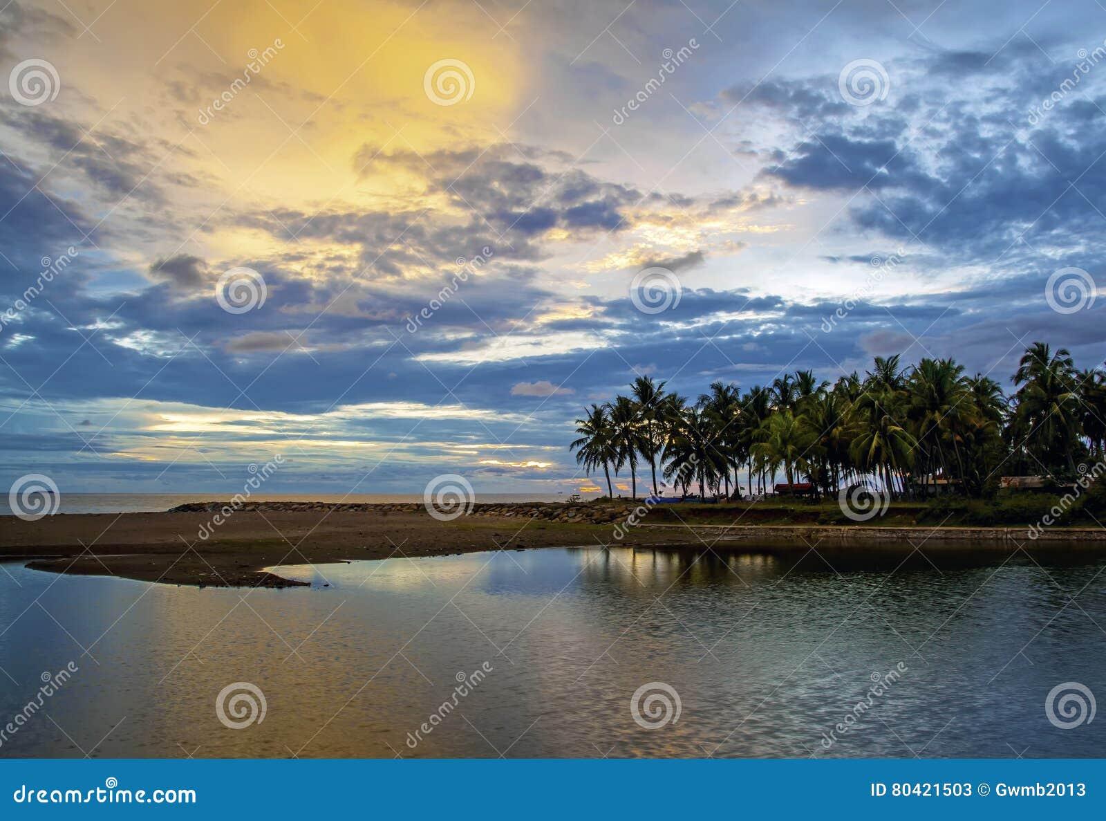 Puesta del sol de Padang