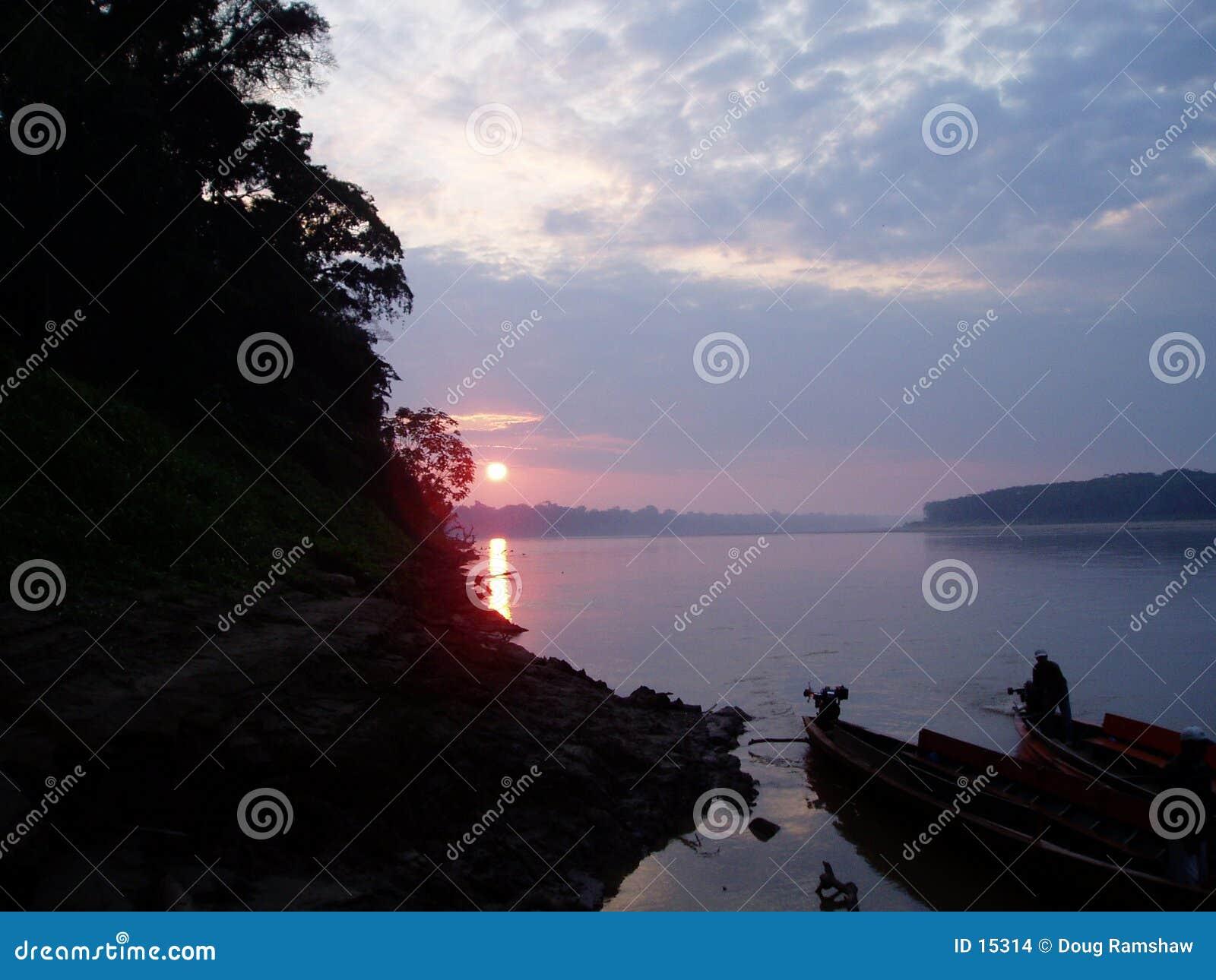 Puesta del sol del Amazonas
