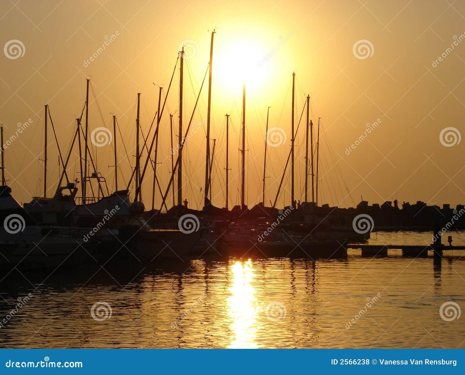 Puesta del sol del barco