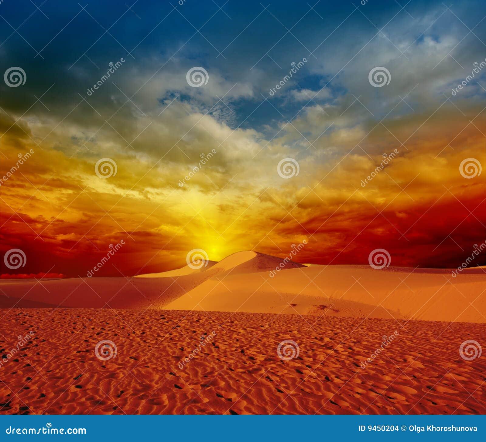 Puesta del sol del desierto