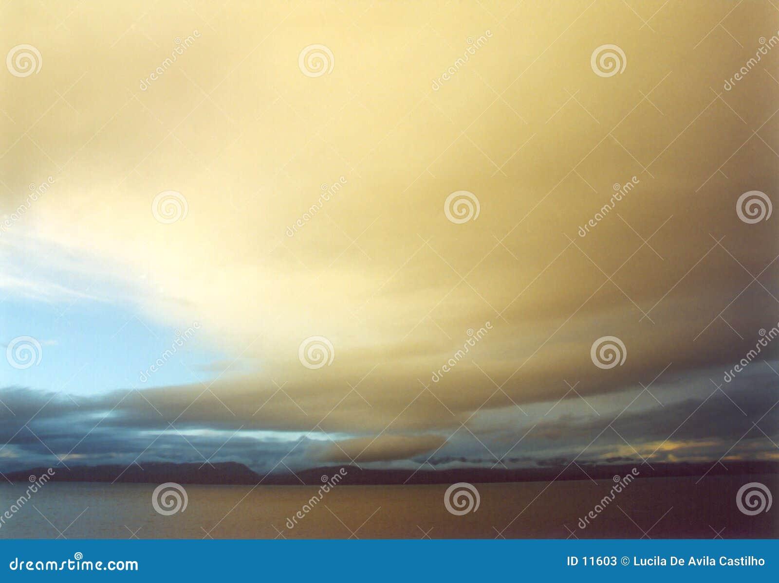 Puesta del sol dramática