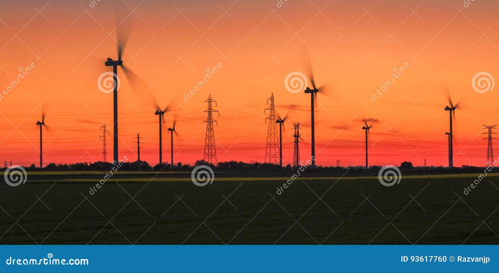 Puesta del sol enérgica - energía eólica