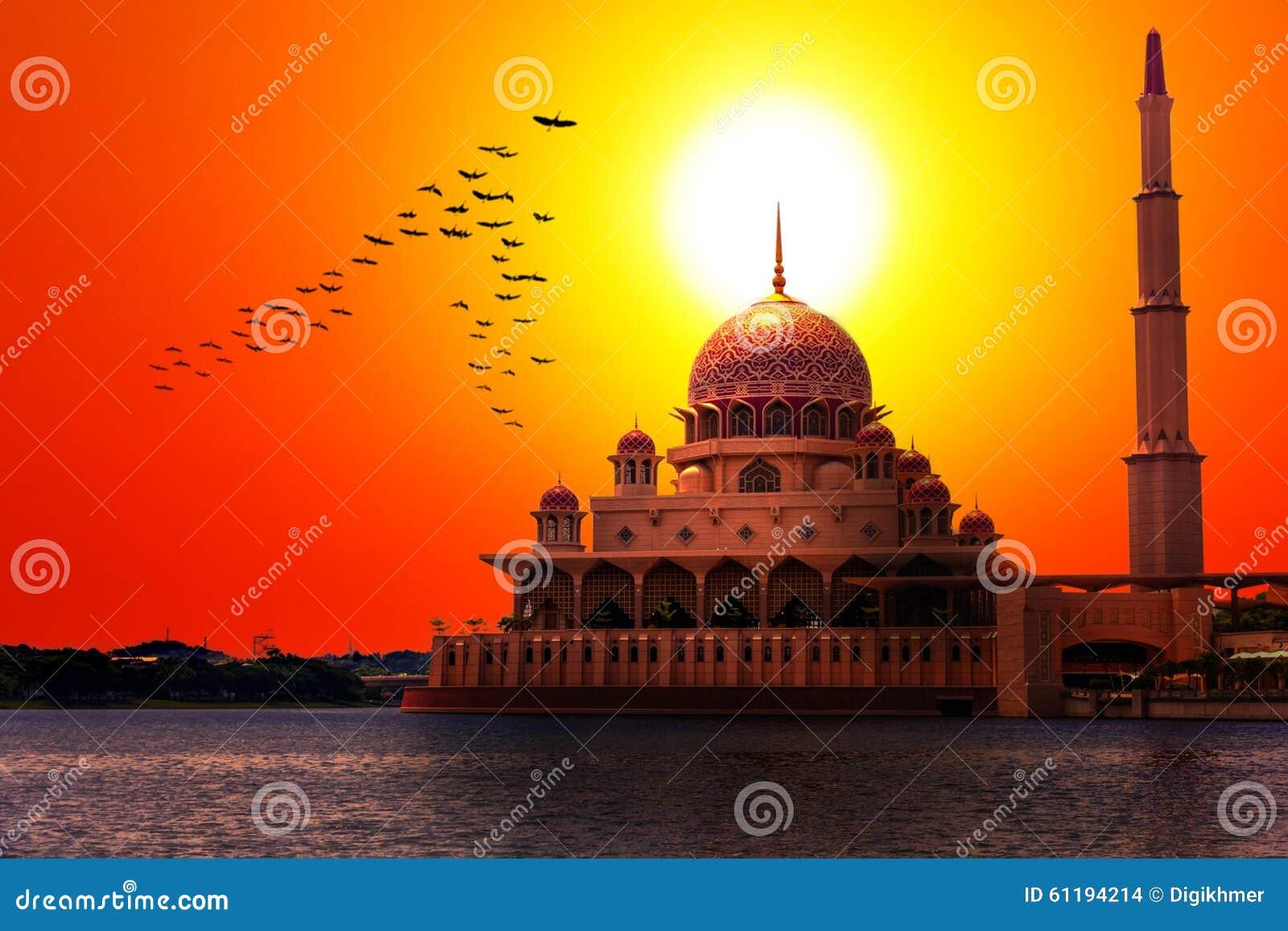 Puesta del sol en la mezquita clásica