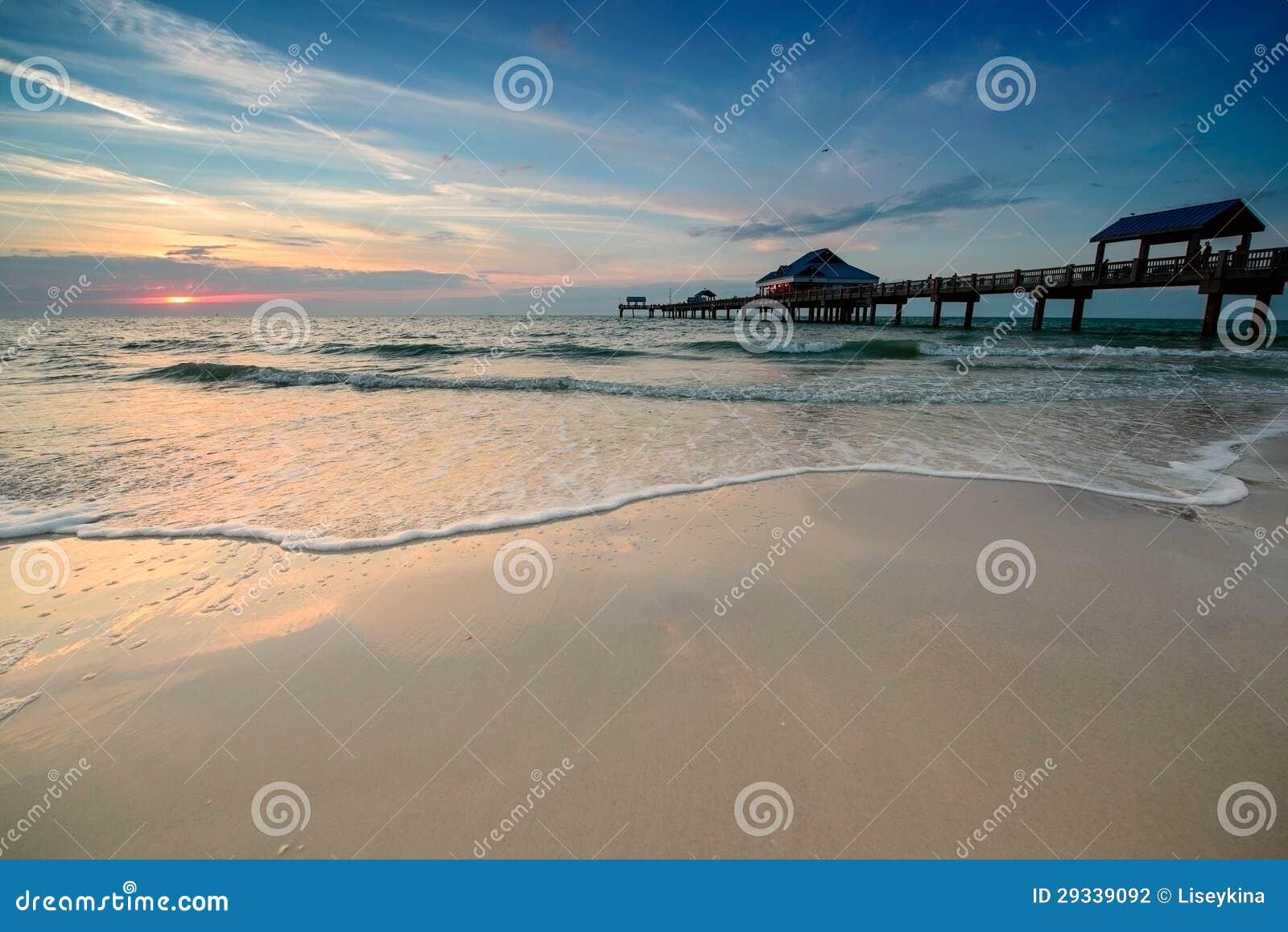 Puesta del sol en la playa de Clearwater