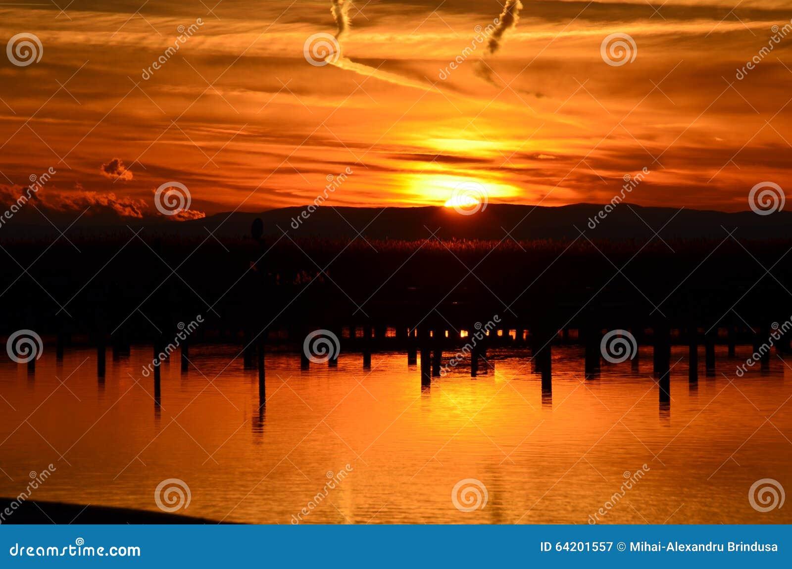Puesta del sol hermosa