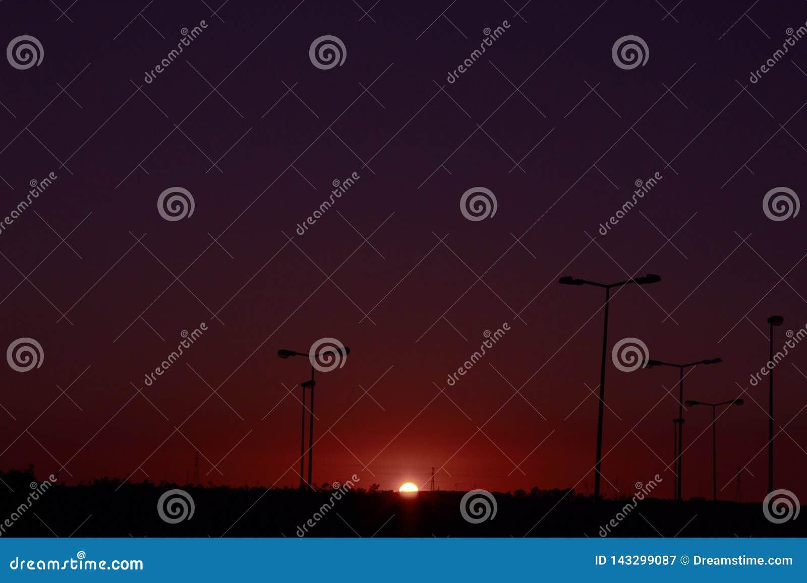 Puesta del sol hermosa en Portugal