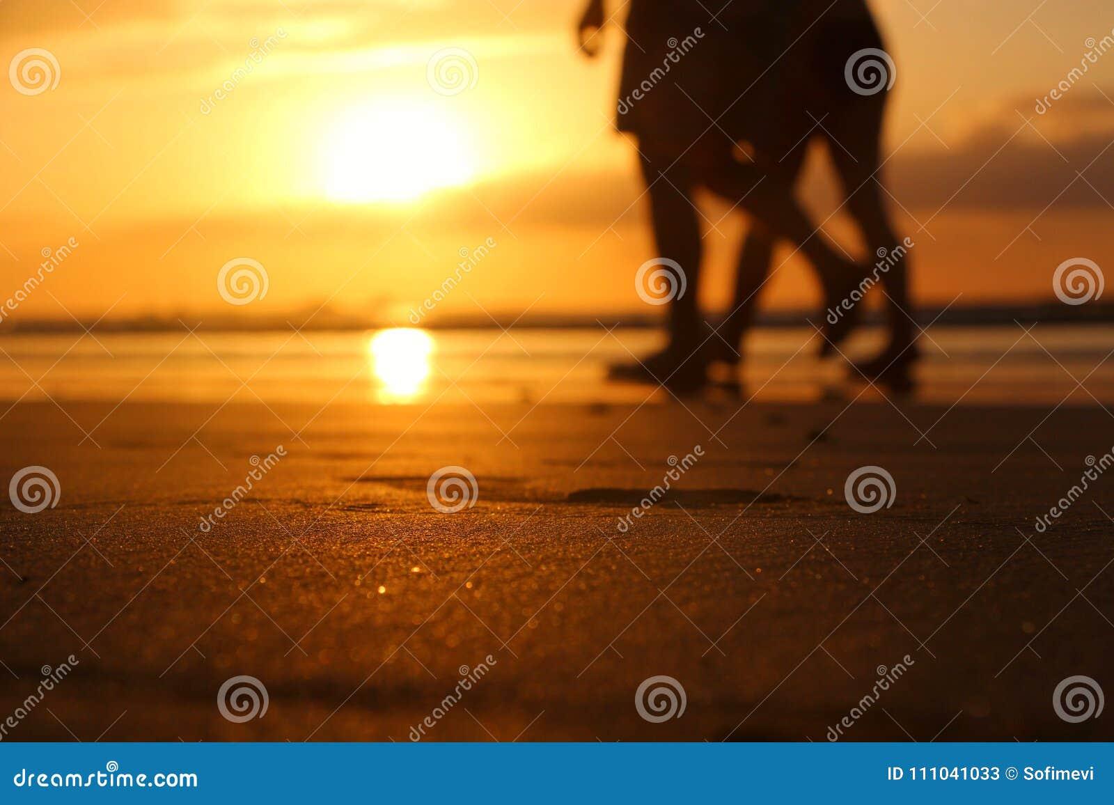 Puesta del sol hermosa en tamarindo
