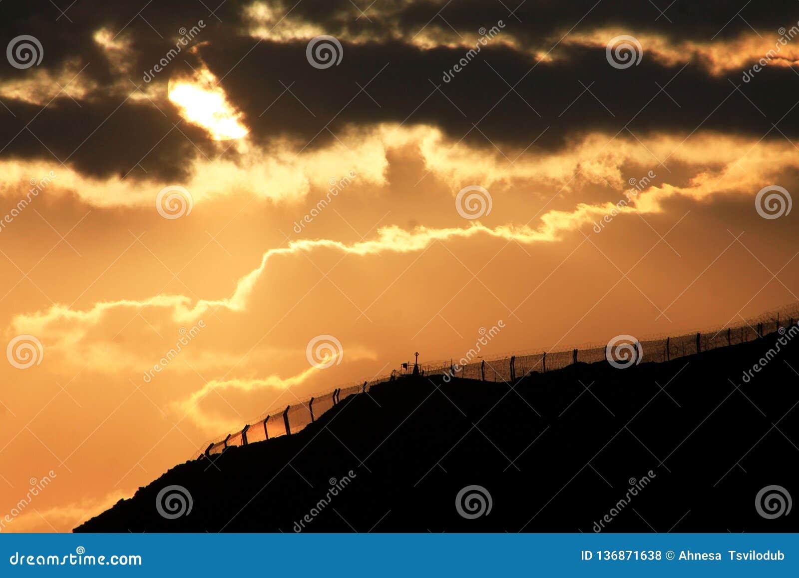 Puesta del sol industrial