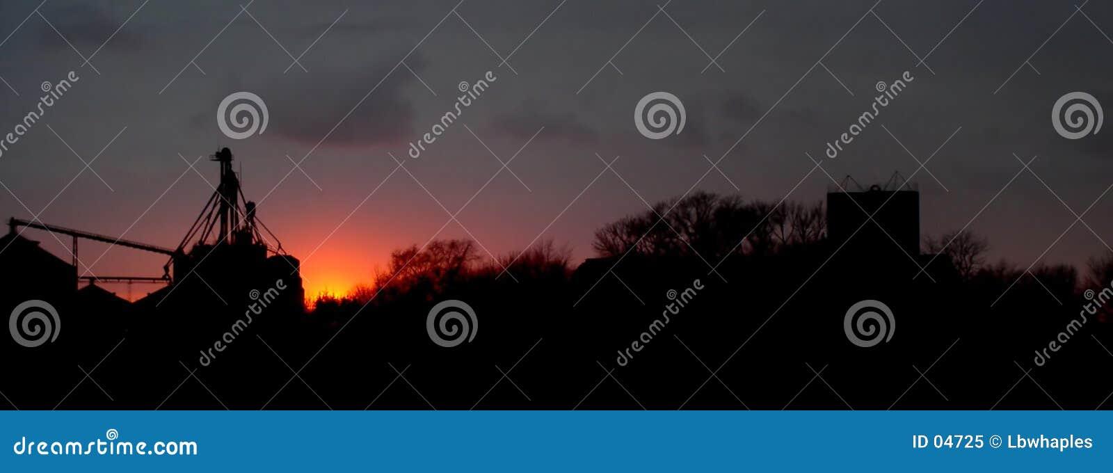 Puesta del sol rural
