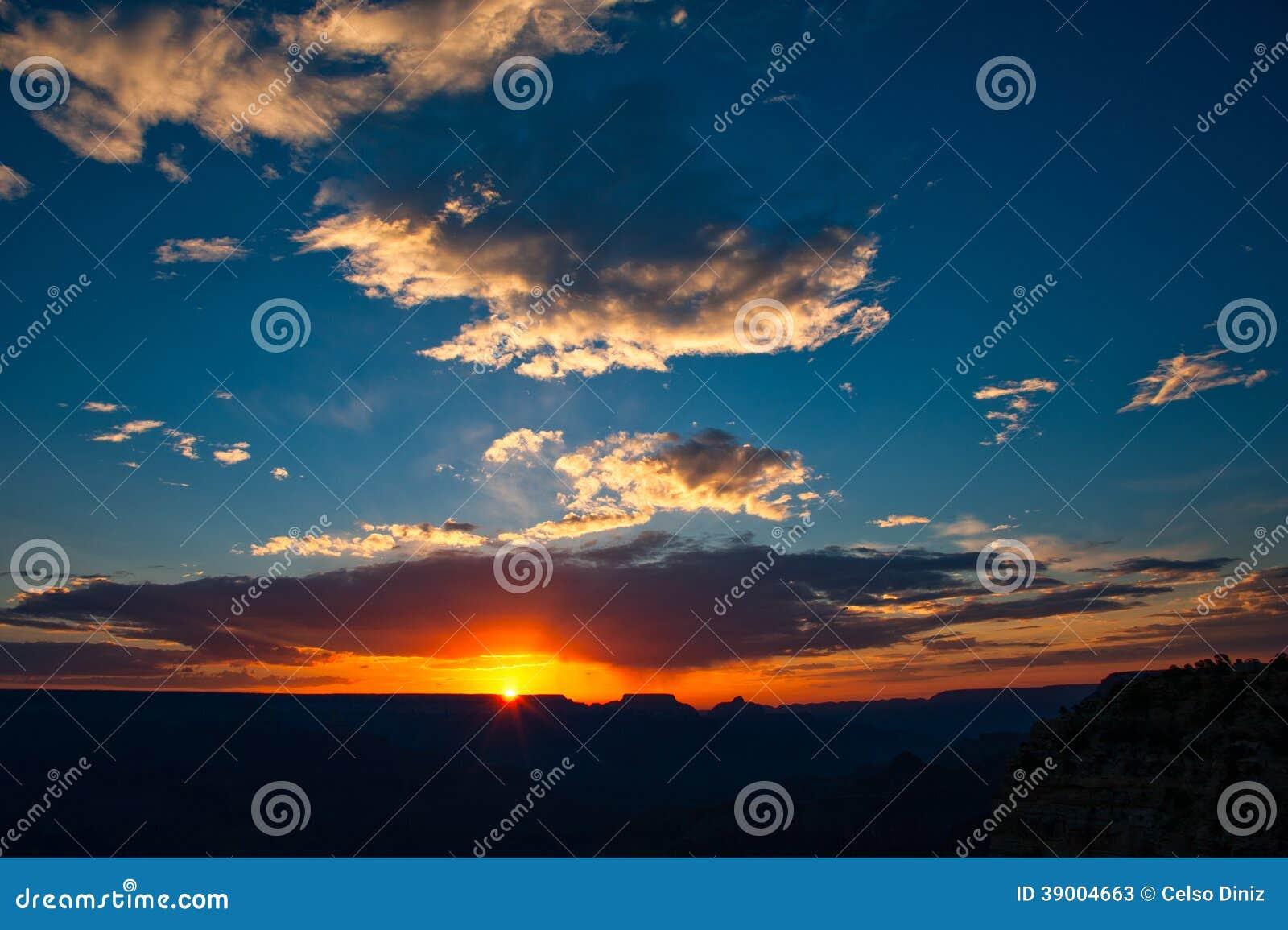 Puesta del sol sobre Grand Canyon