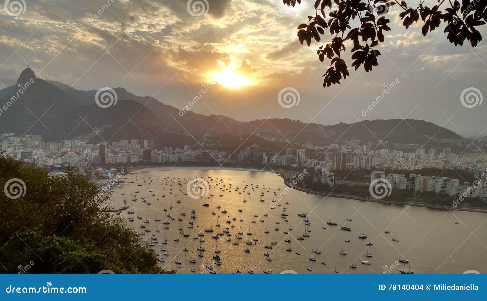 Puesta del sol sobre Rio de Janeiro