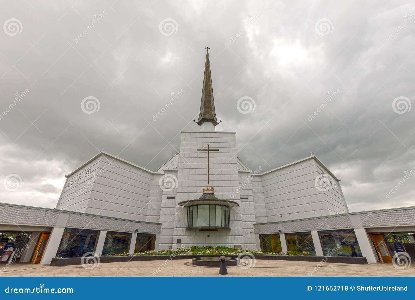 Puknięcie, Mayo, Irlandia Irlandia ` s Krajowa Mariańska świątynia w Co Mayo, odwiedzający obok nad 1 5 milionów ludzi każdego ro