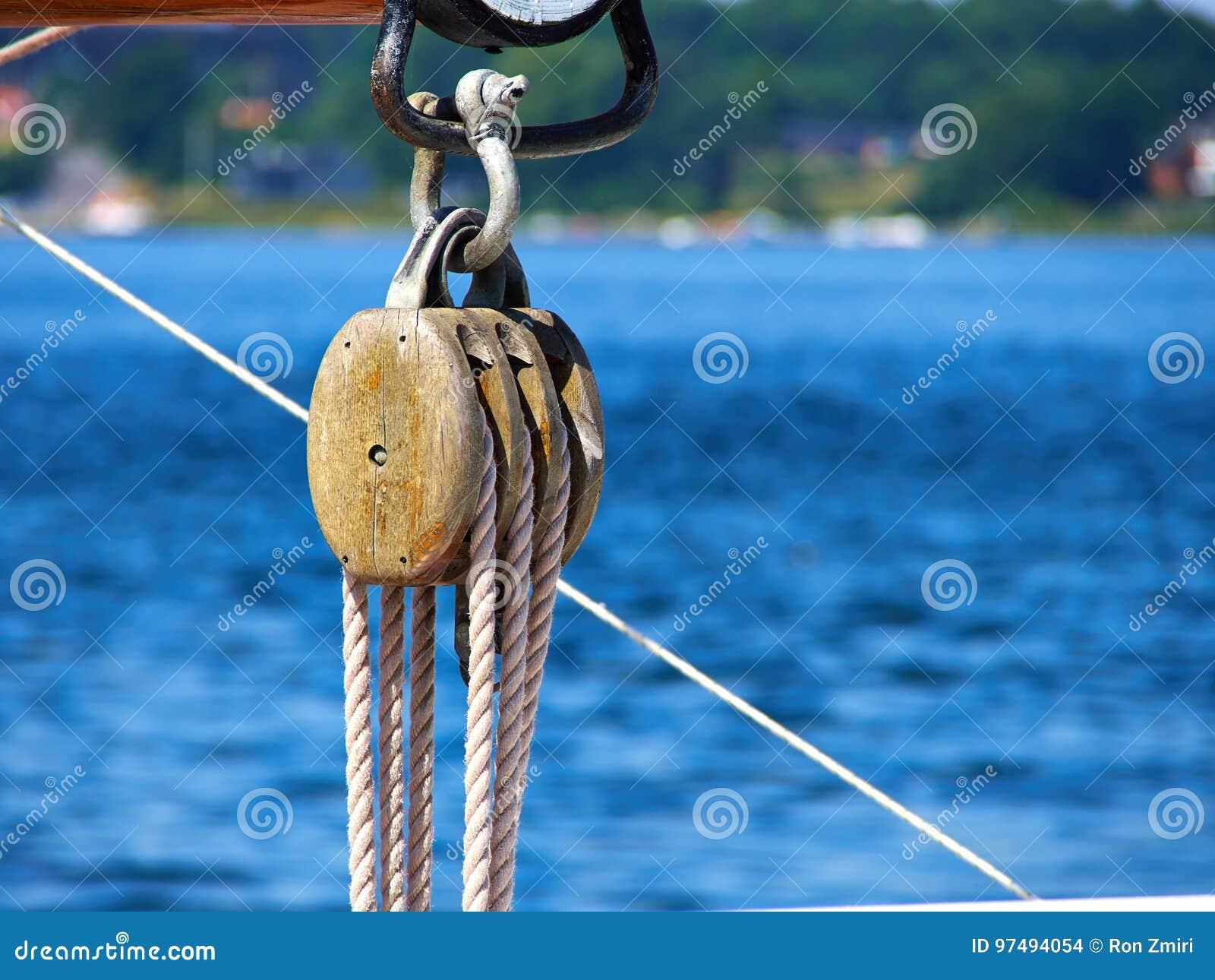 Puleggia delle corde delle vele