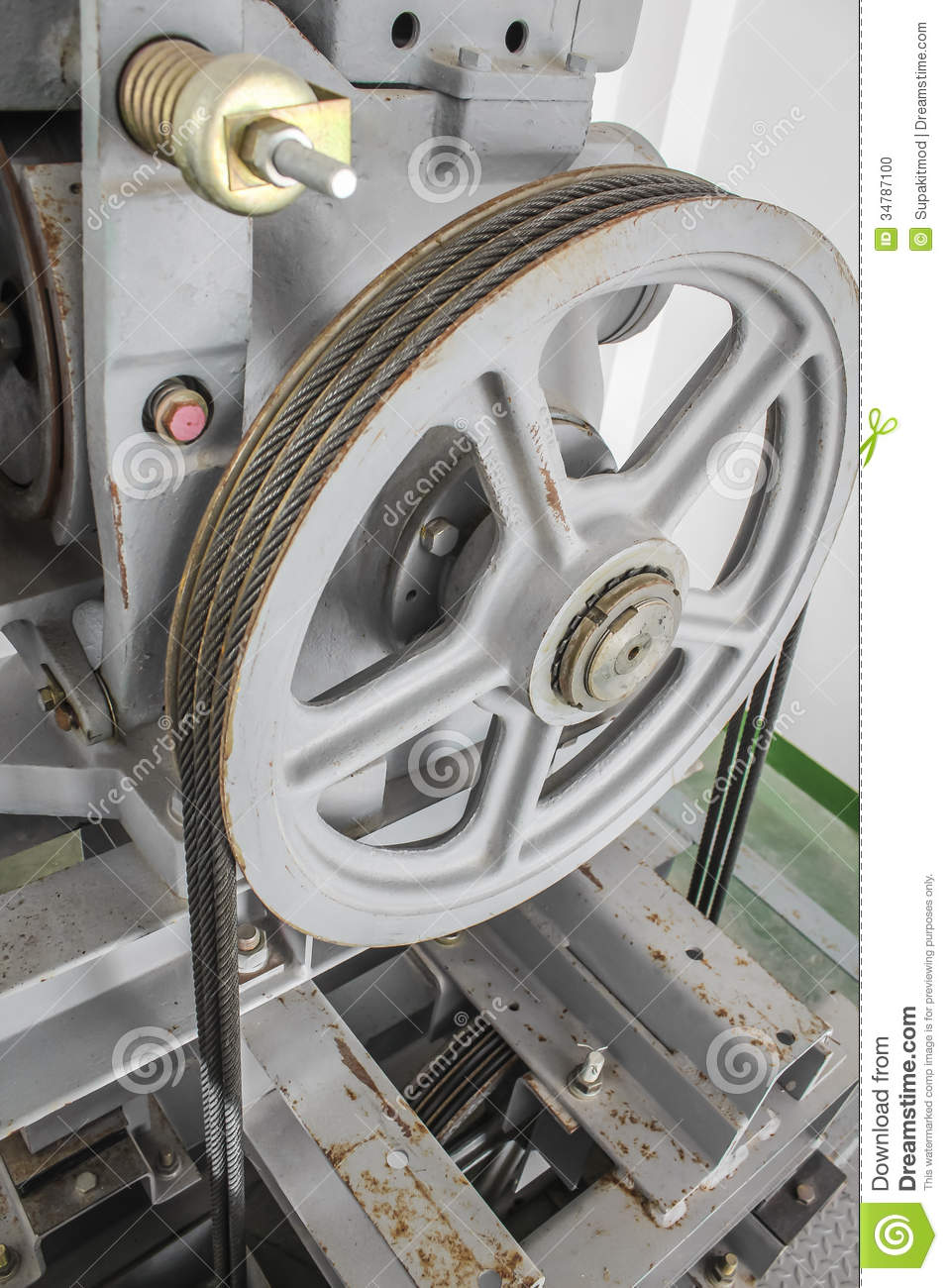 Rope And Pulley Elevator : Pulley stock photo image
