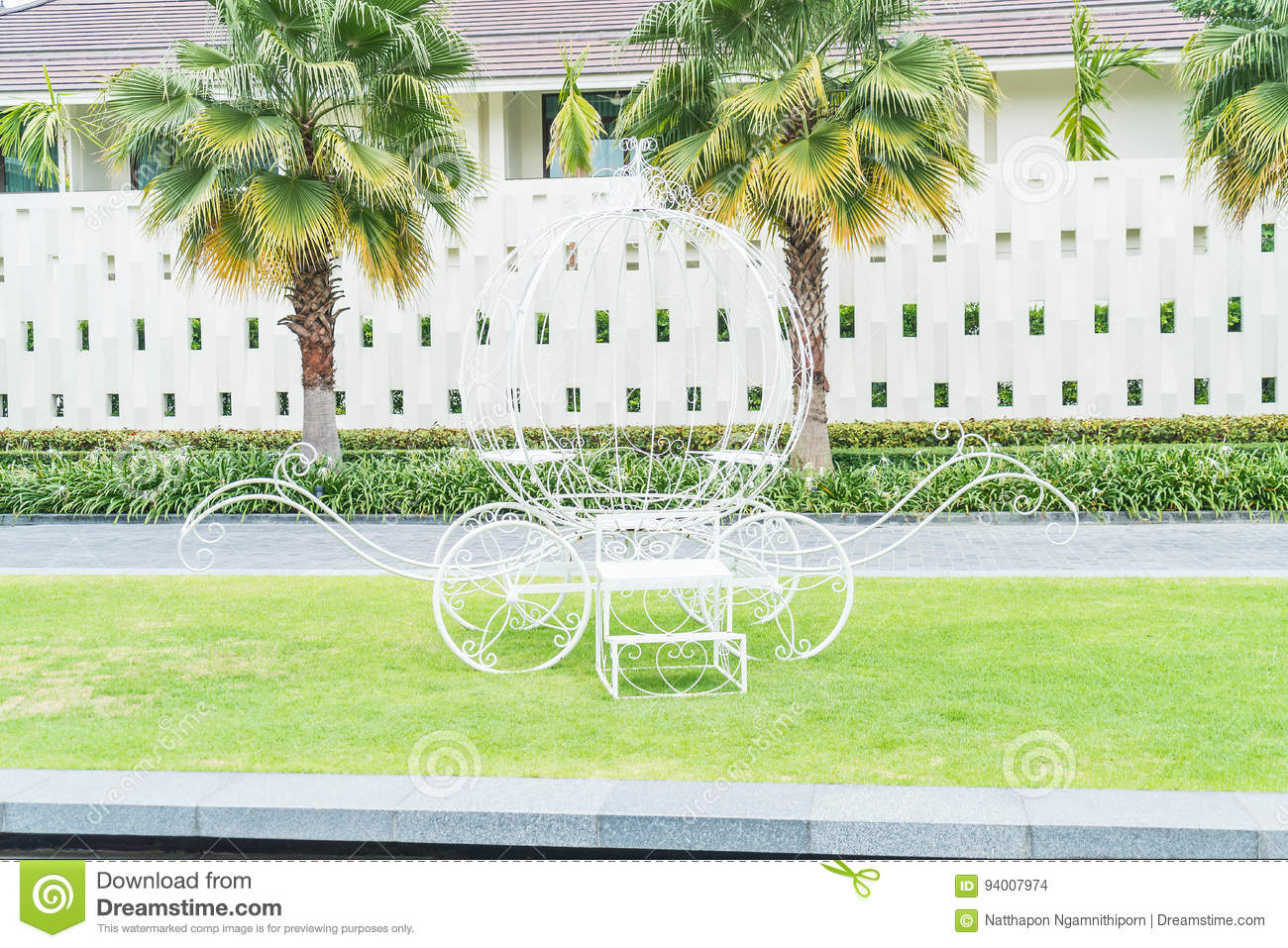 Pumpkin Carriage Decoration In The Garden Stock Photo - Image ...