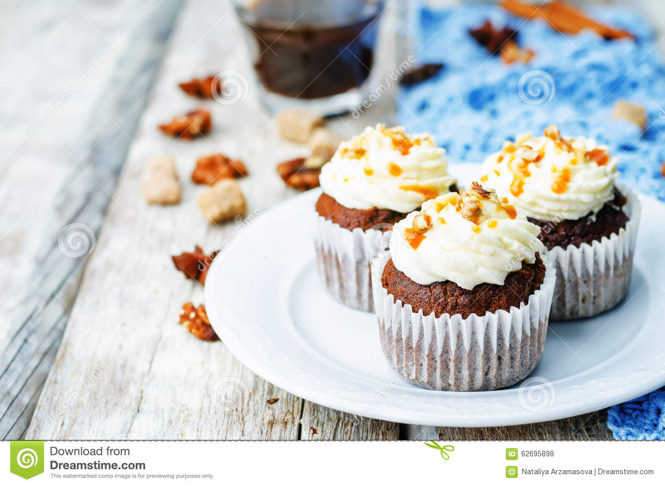 Pumpkin Pie Spices Walnuts Banana Cupcakes With Salted ...