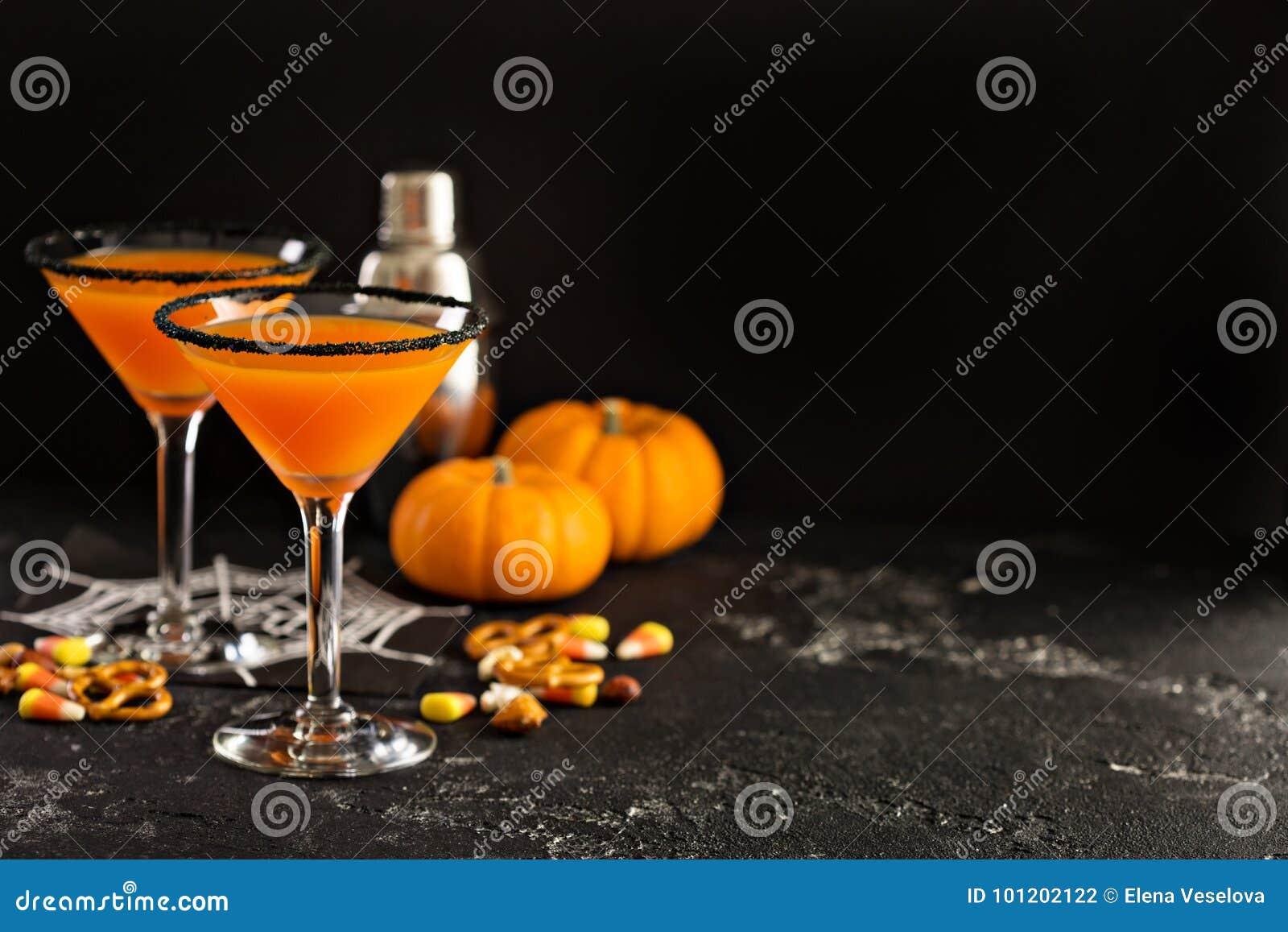 Pumpkintini коктеиля хеллоуина или падения