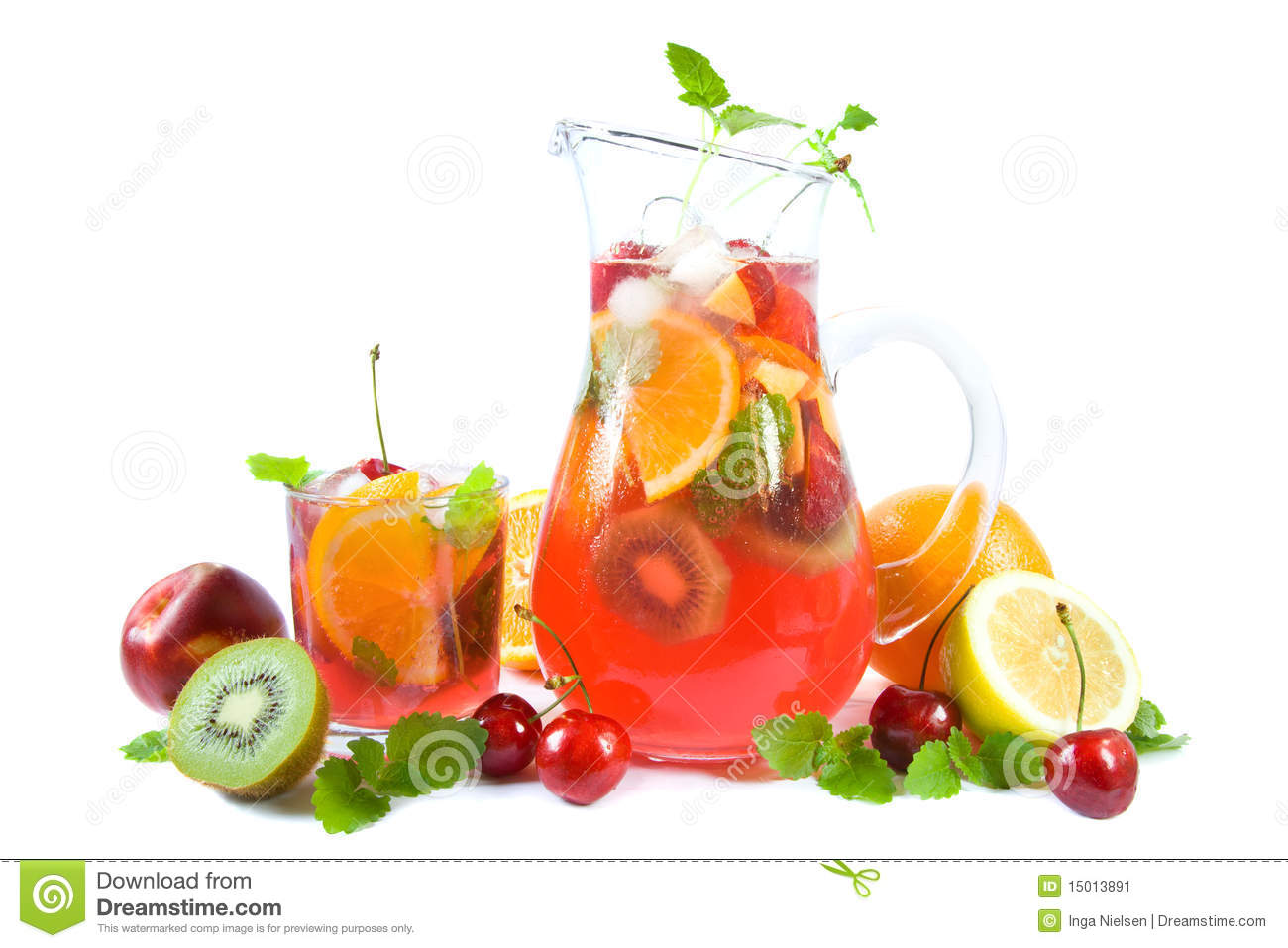 Punch with fruits