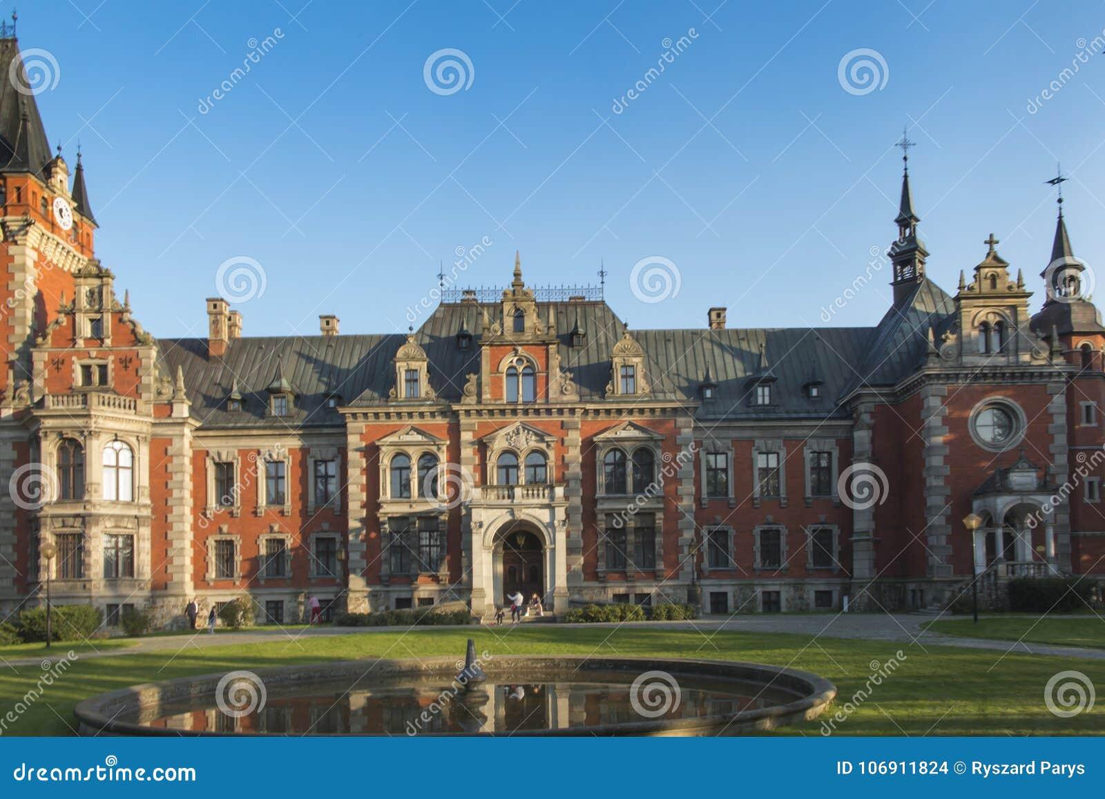 Punkt zwrotny stary pałac plawniowice Poland regionu Silesia wierzch