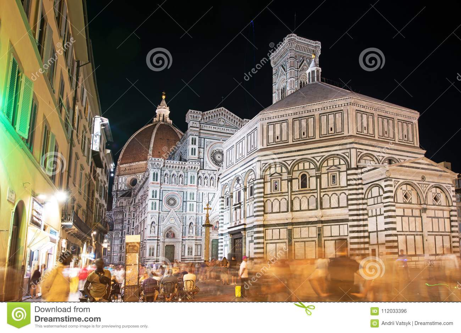 Punto di vista favoloso del bello paesaggio di Florence Duomo Cathe famosa