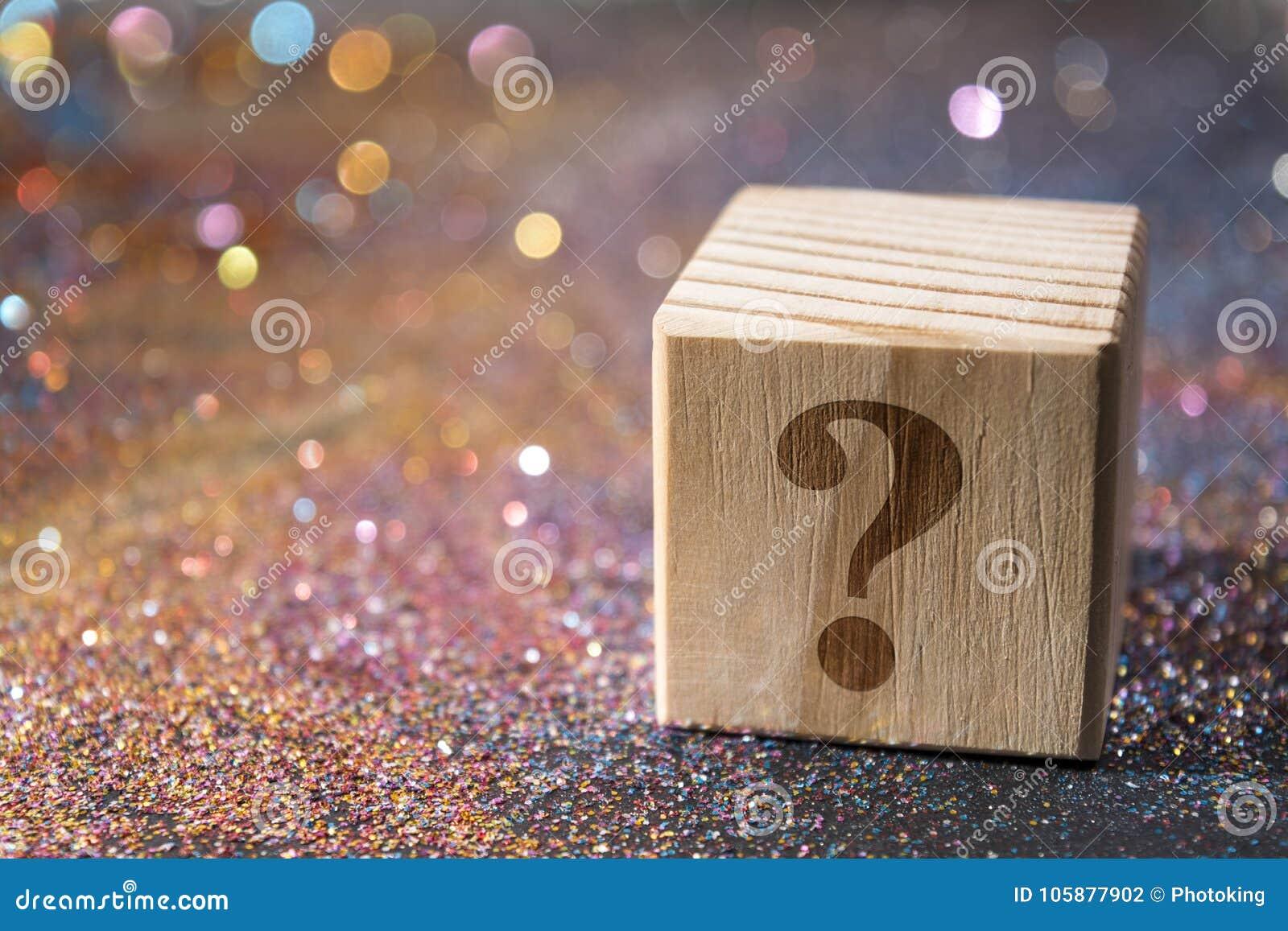 Punto interrogativo sul cubo