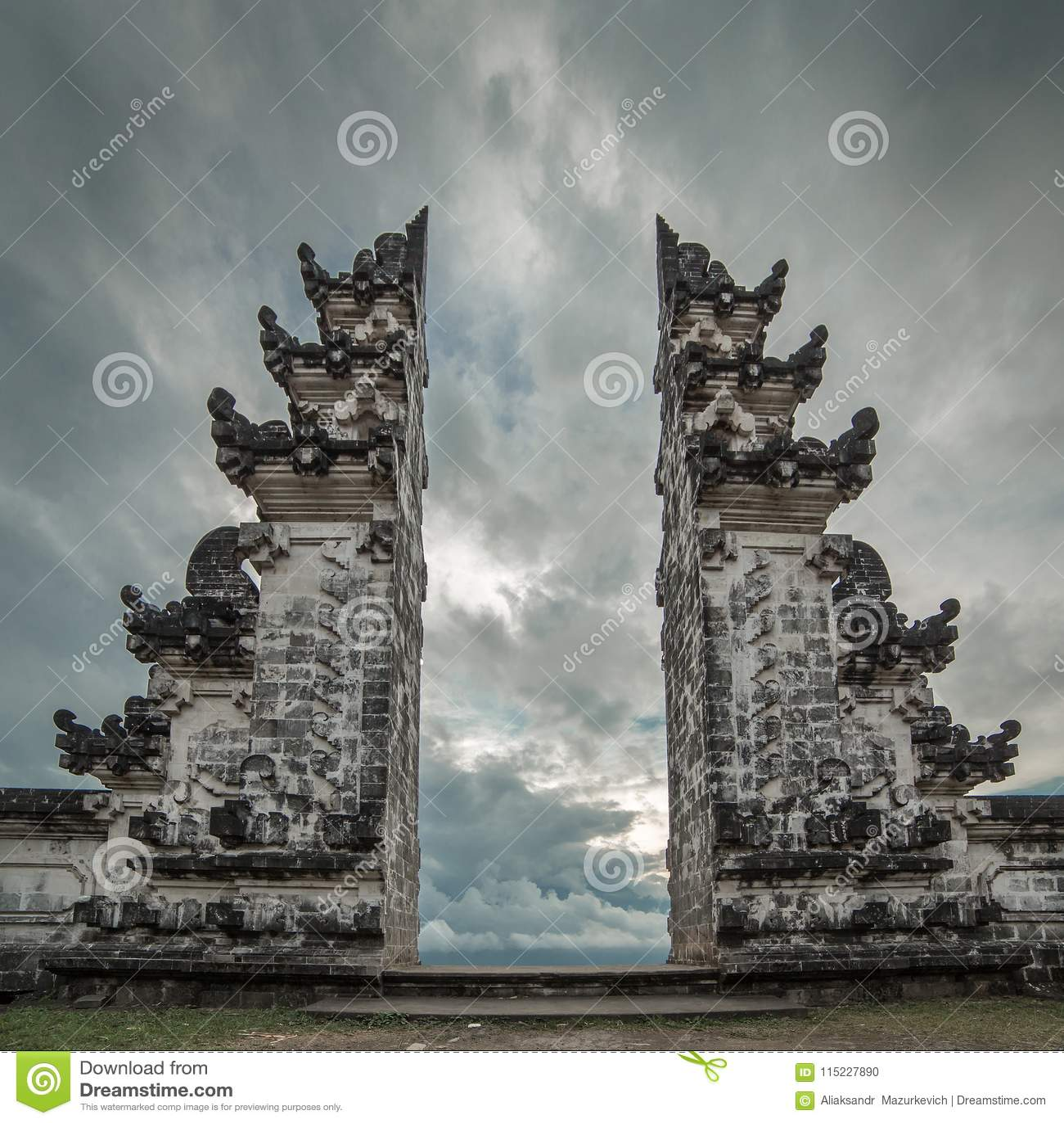 Pura Luhur Lempuyang świątynia w Bali