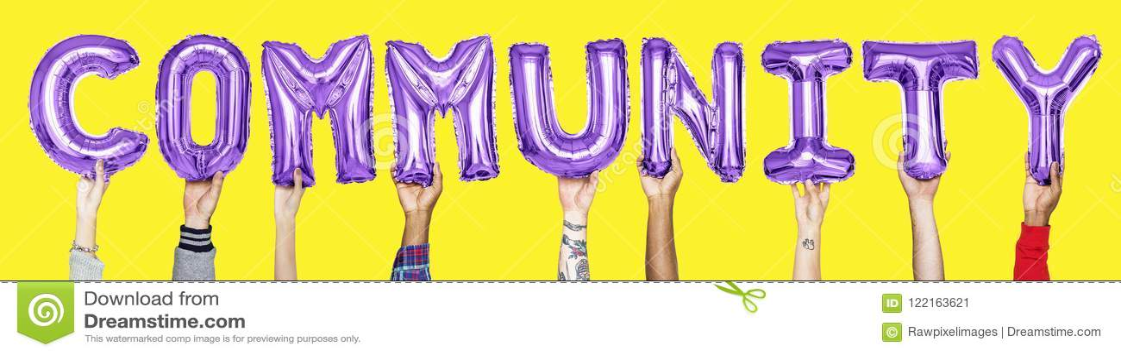 Purpere alfabetballons die de woordgemeenschap vormen