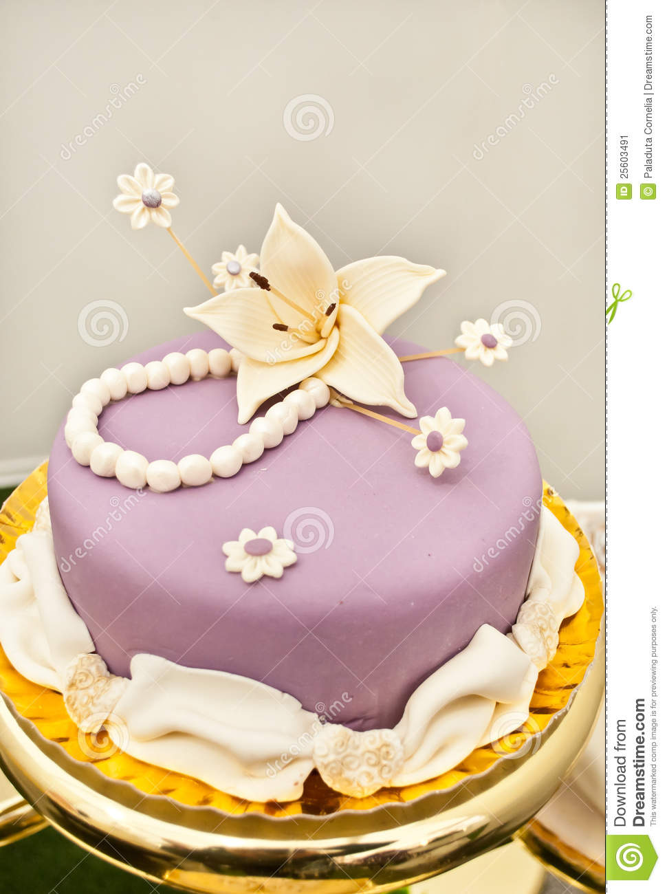 Purple Cake With Lily Flower Stock Image Image Of Bake Cake 25603491