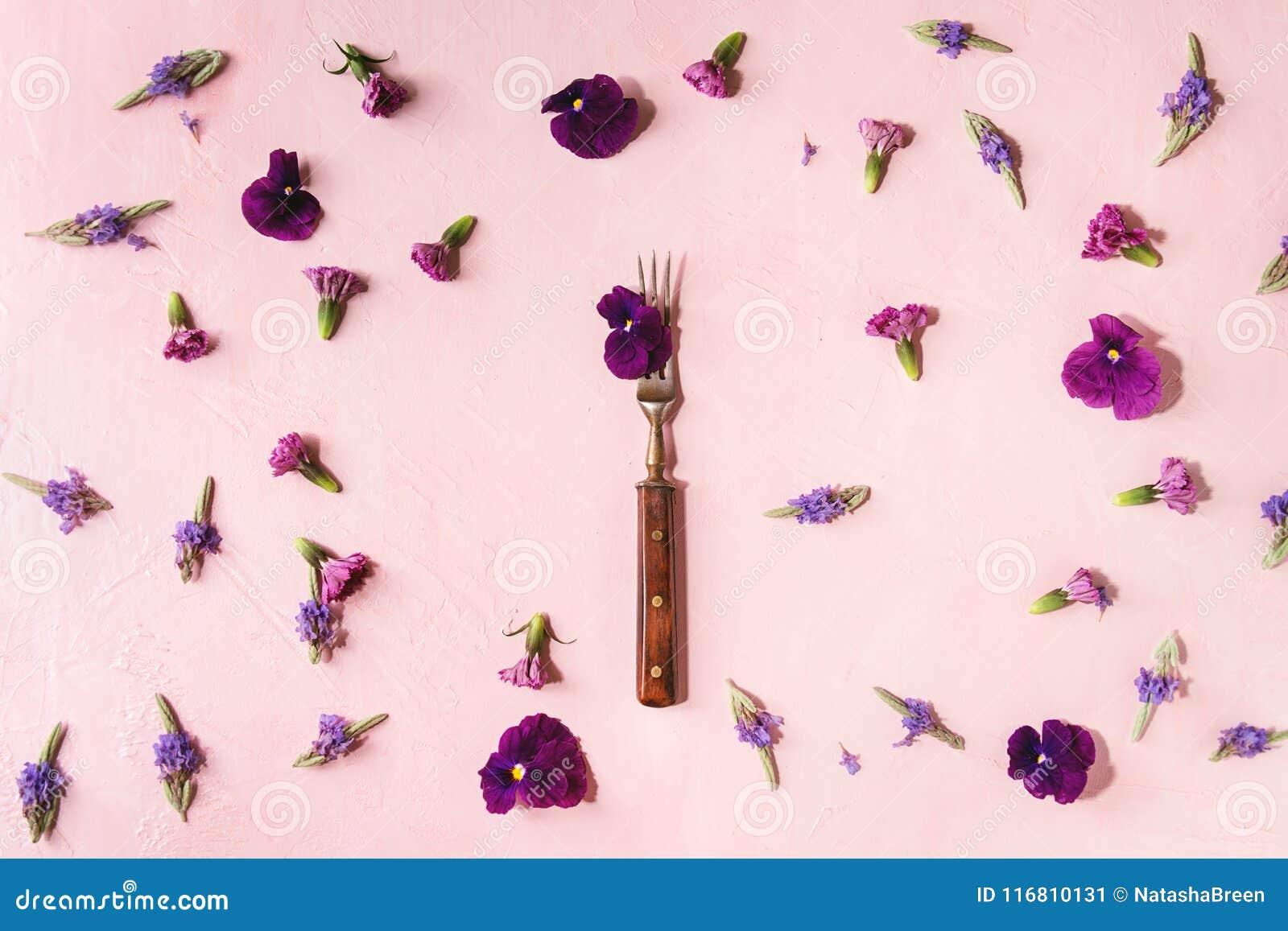 Purple Edible Flowers Stock Image Image Of Herb Edibles 116810131