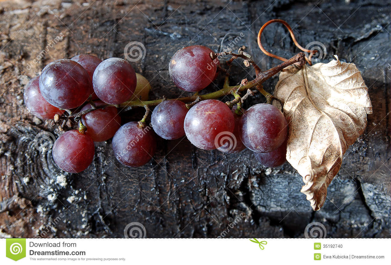 Purple Grape On Wood Background Stock Photo - Image: 35192740