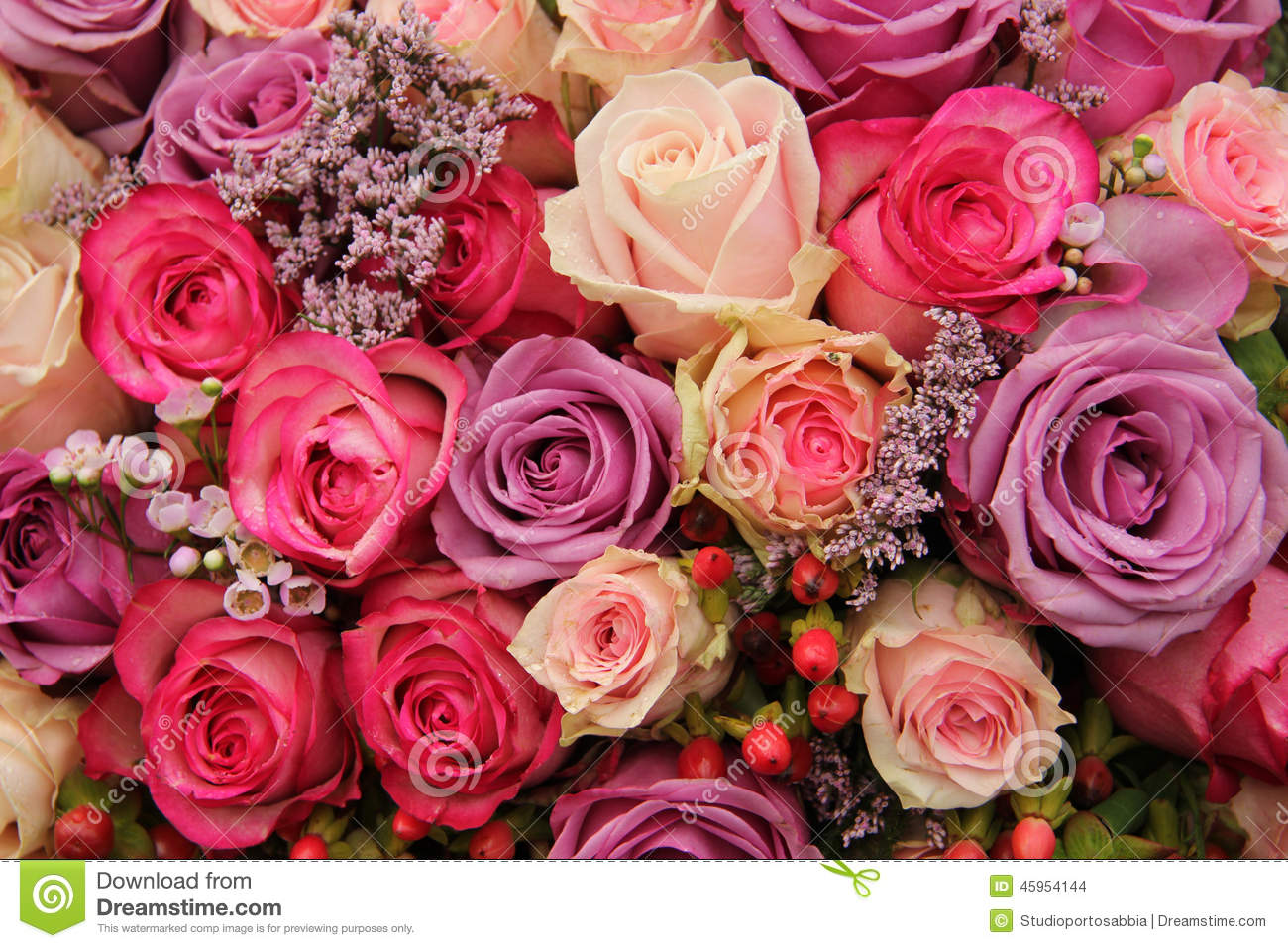 purple and pink roses wedding arrangement stock photo image 45954144. Black Bedroom Furniture Sets. Home Design Ideas