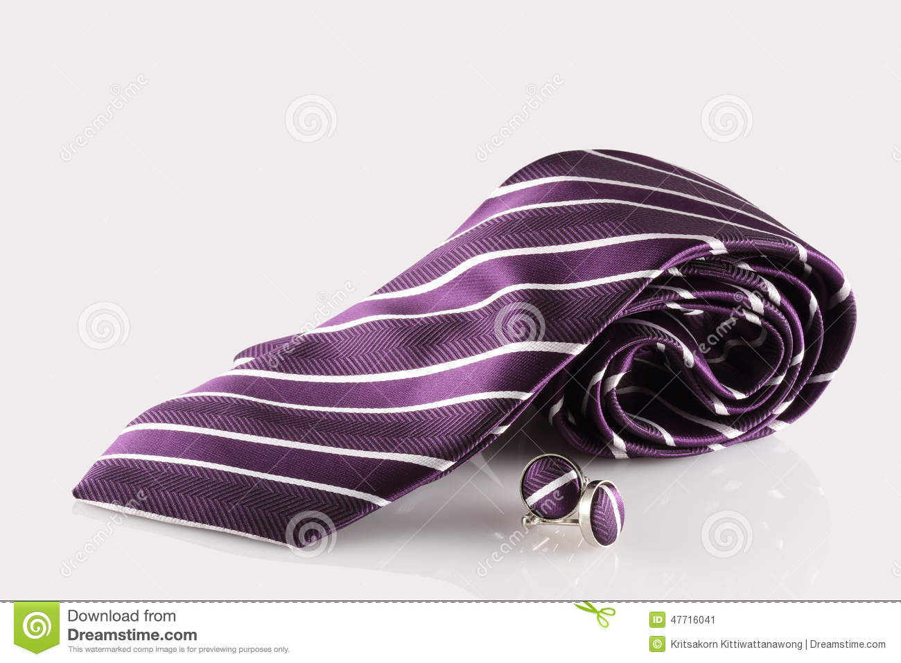 Purple tie with cuff links